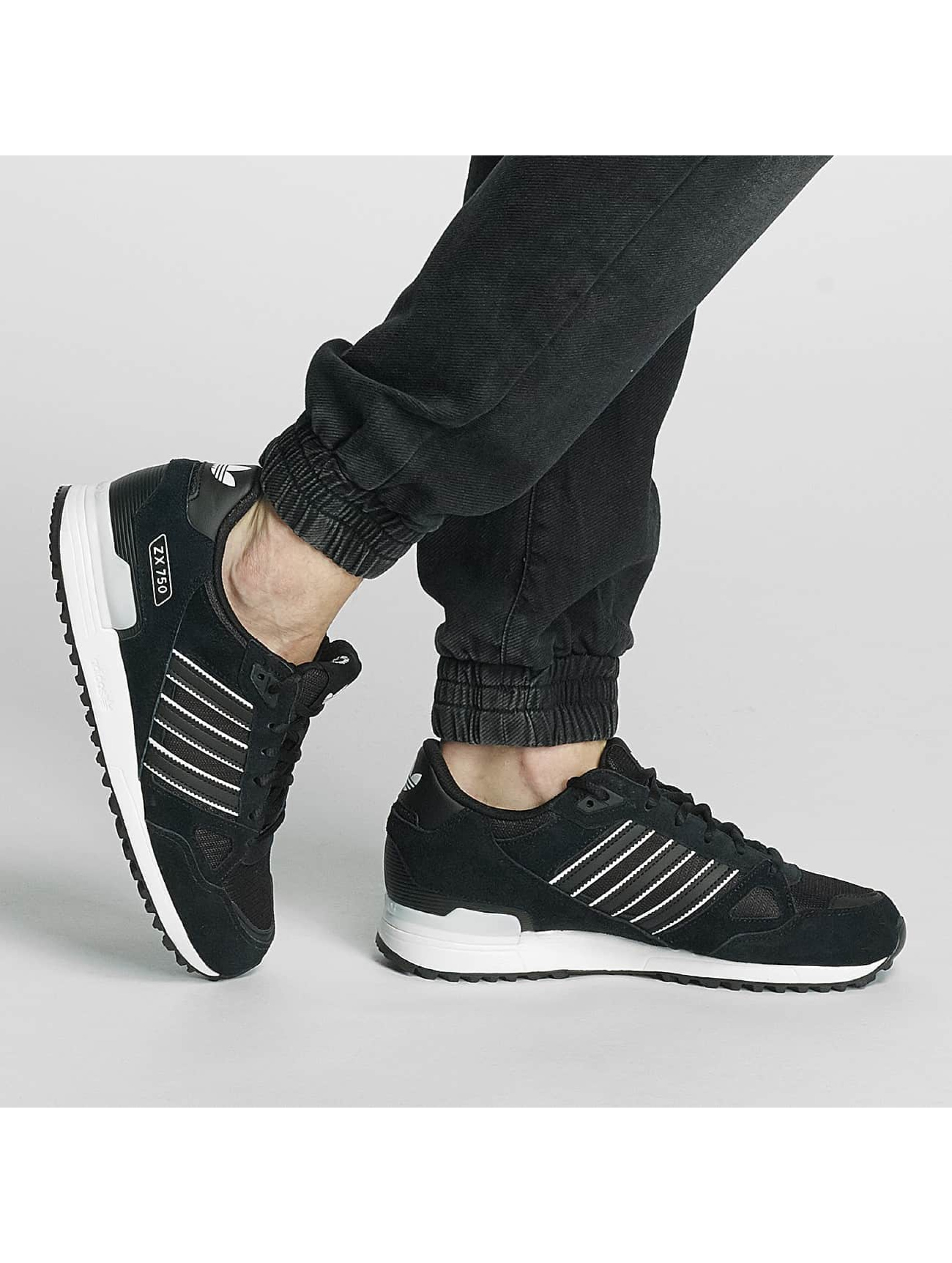 adidas Snejkry ZX 700 čern