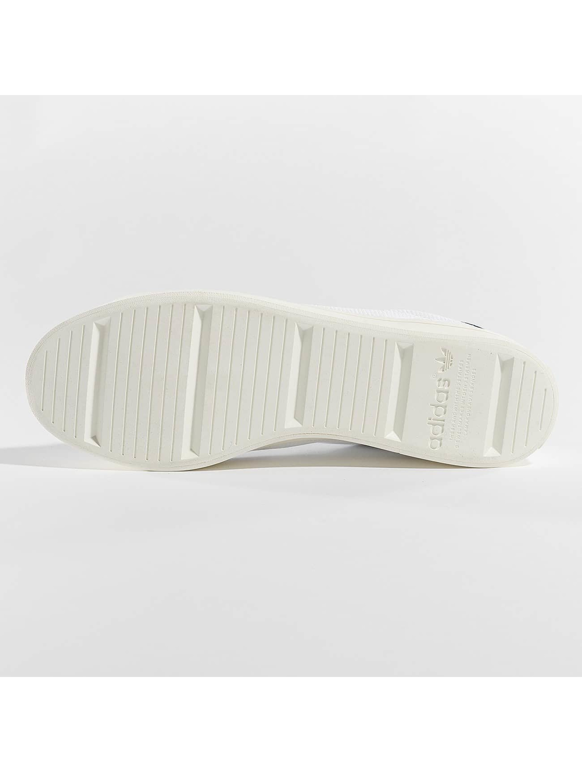adidas Snejkry Courtvantage bílý
