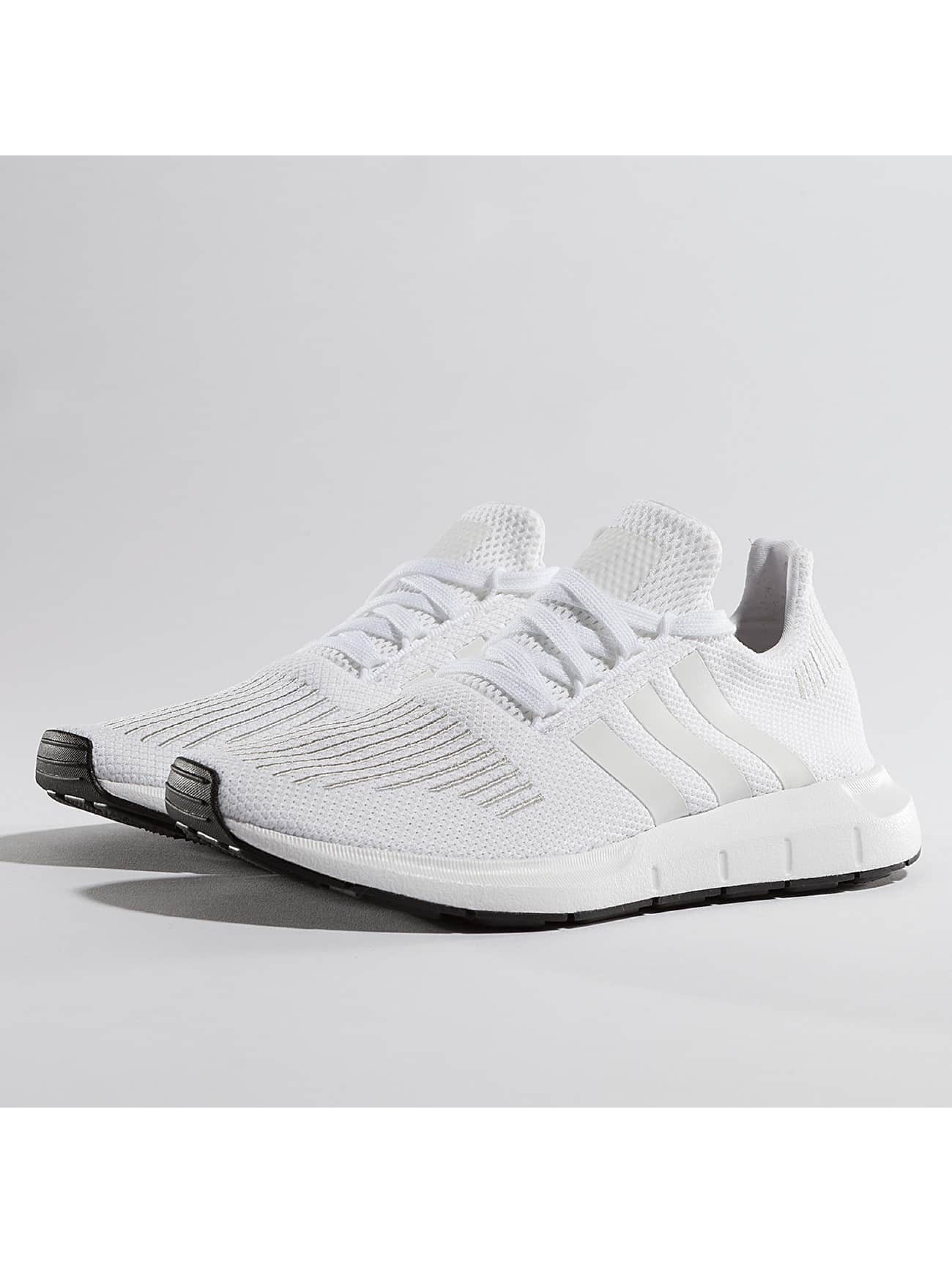 adidas Tøysko Swift Run hvit