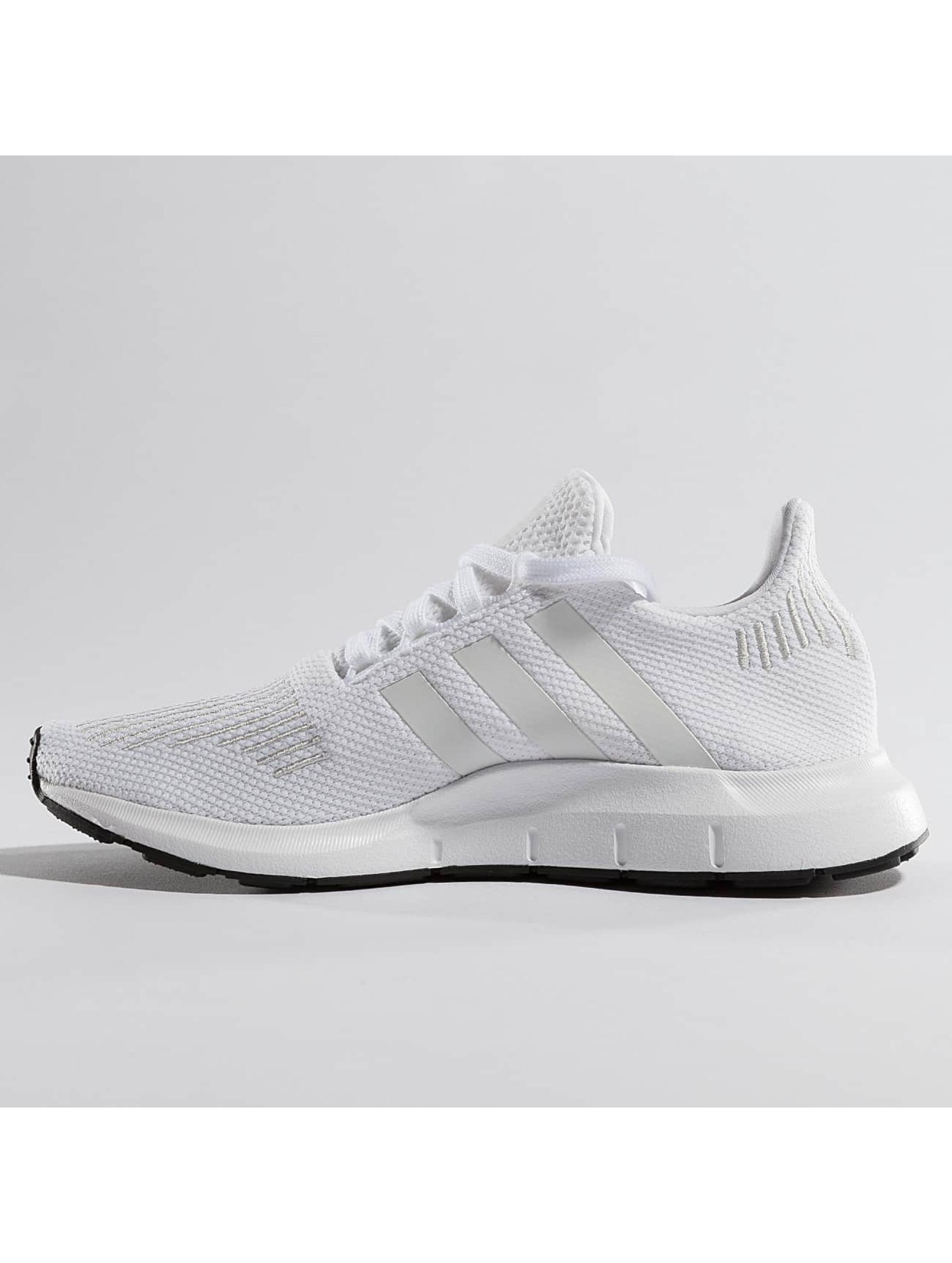 adidas Tøysko Swift Run hvit