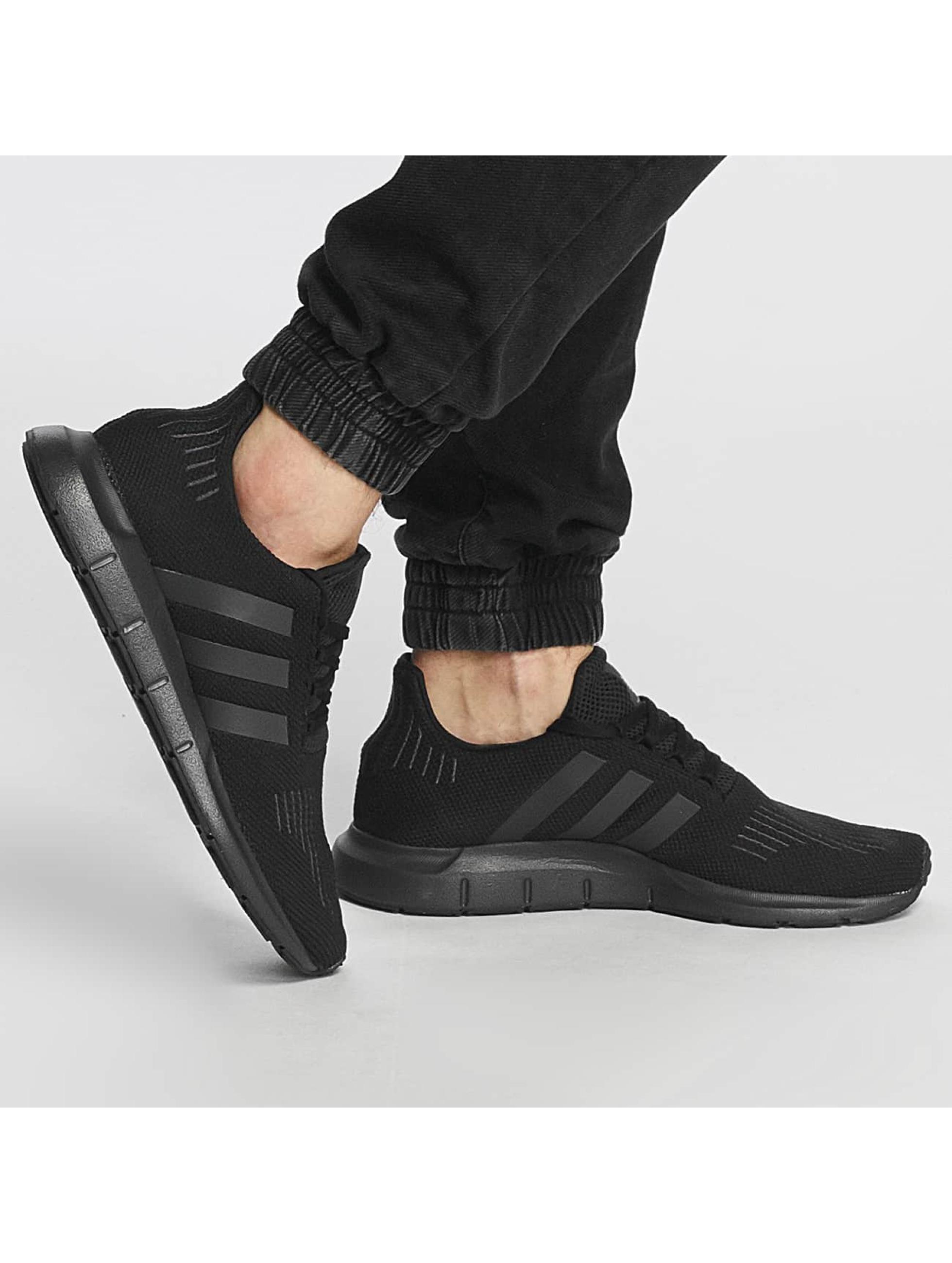 adidas Tøysko Swift Run svart