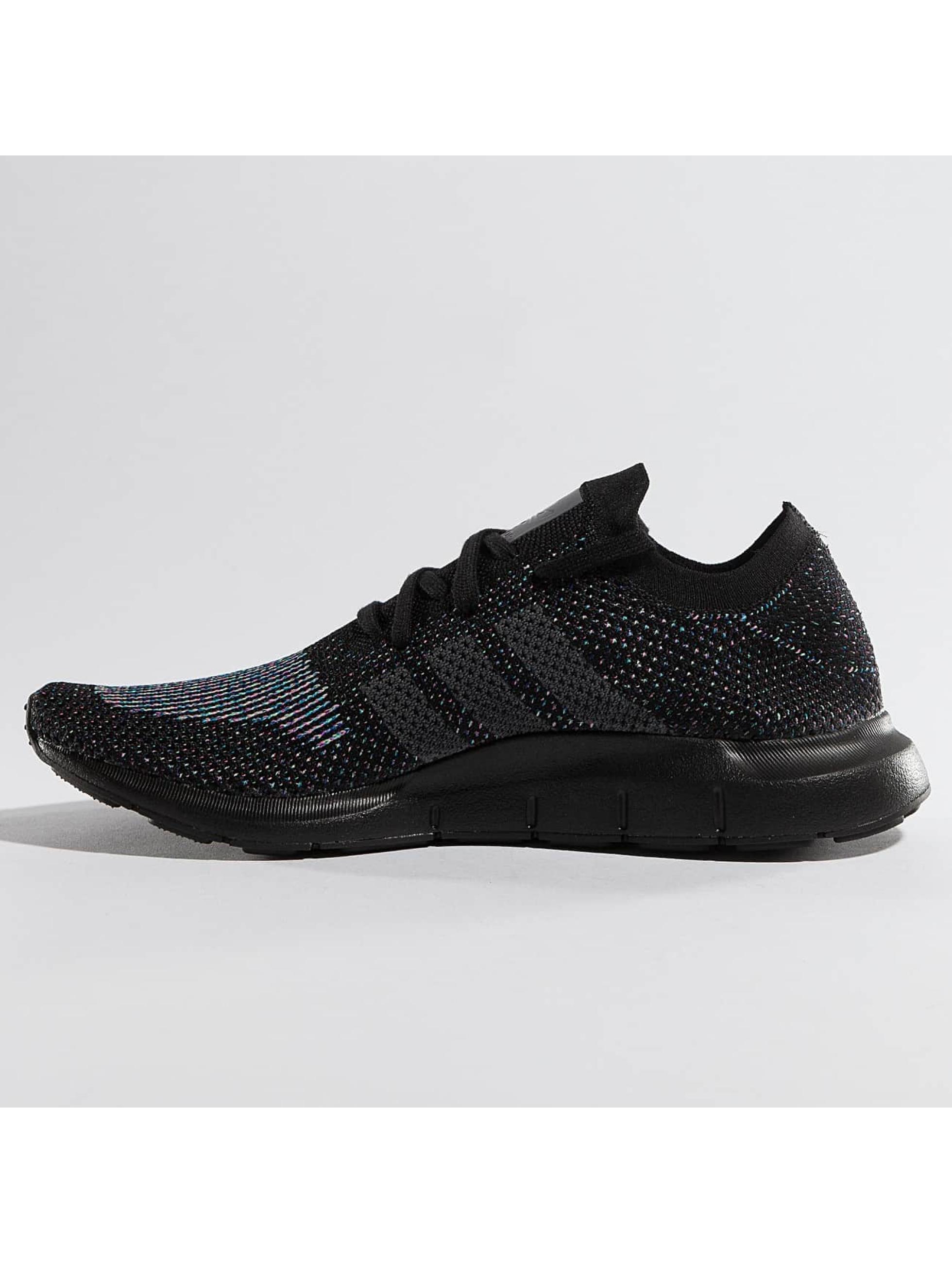 adidas Tøysko Swift Run Primeknit svart
