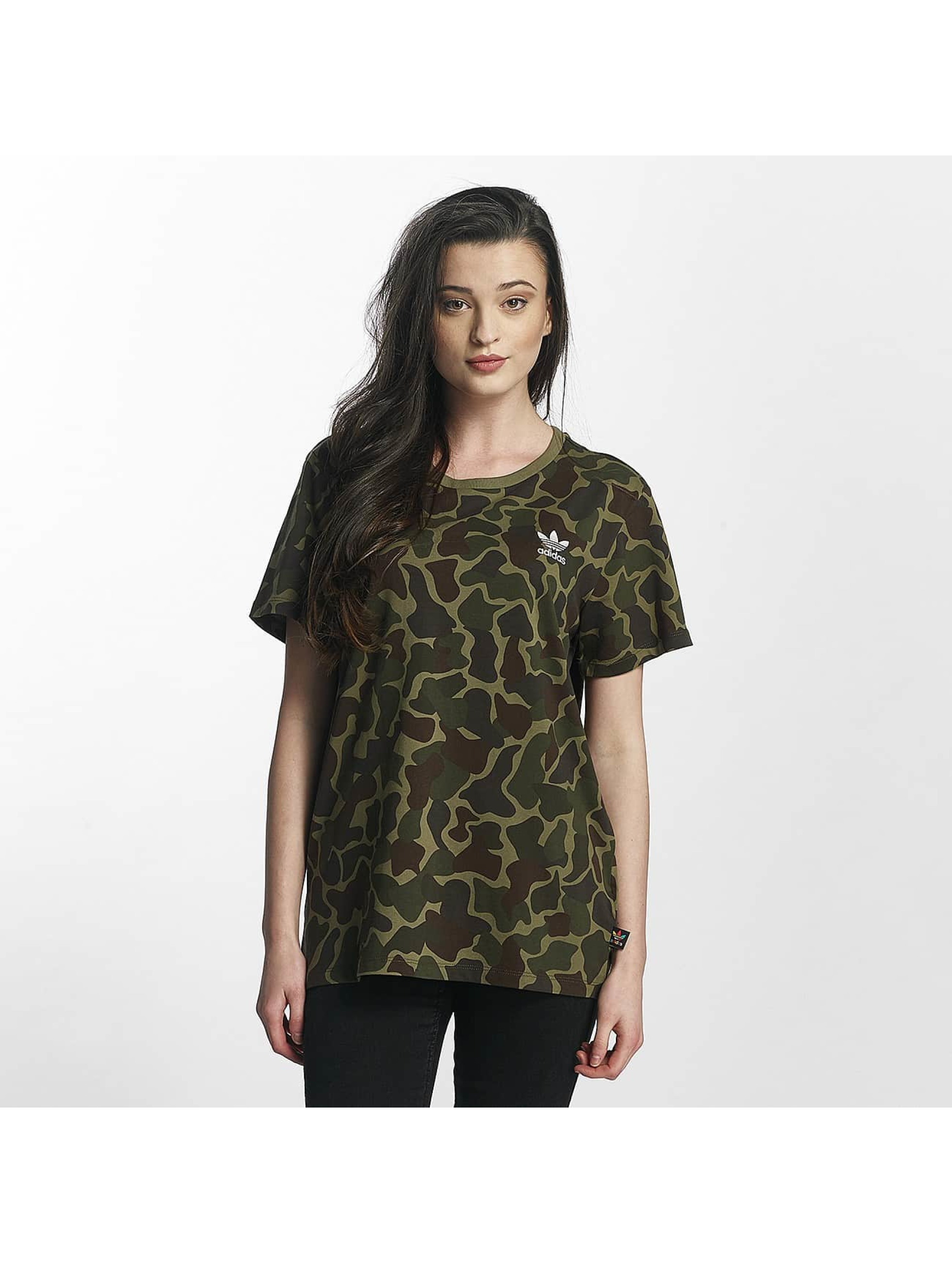 adidas damen t shirt pw hu hiking logo in camouflage 369413. Black Bedroom Furniture Sets. Home Design Ideas