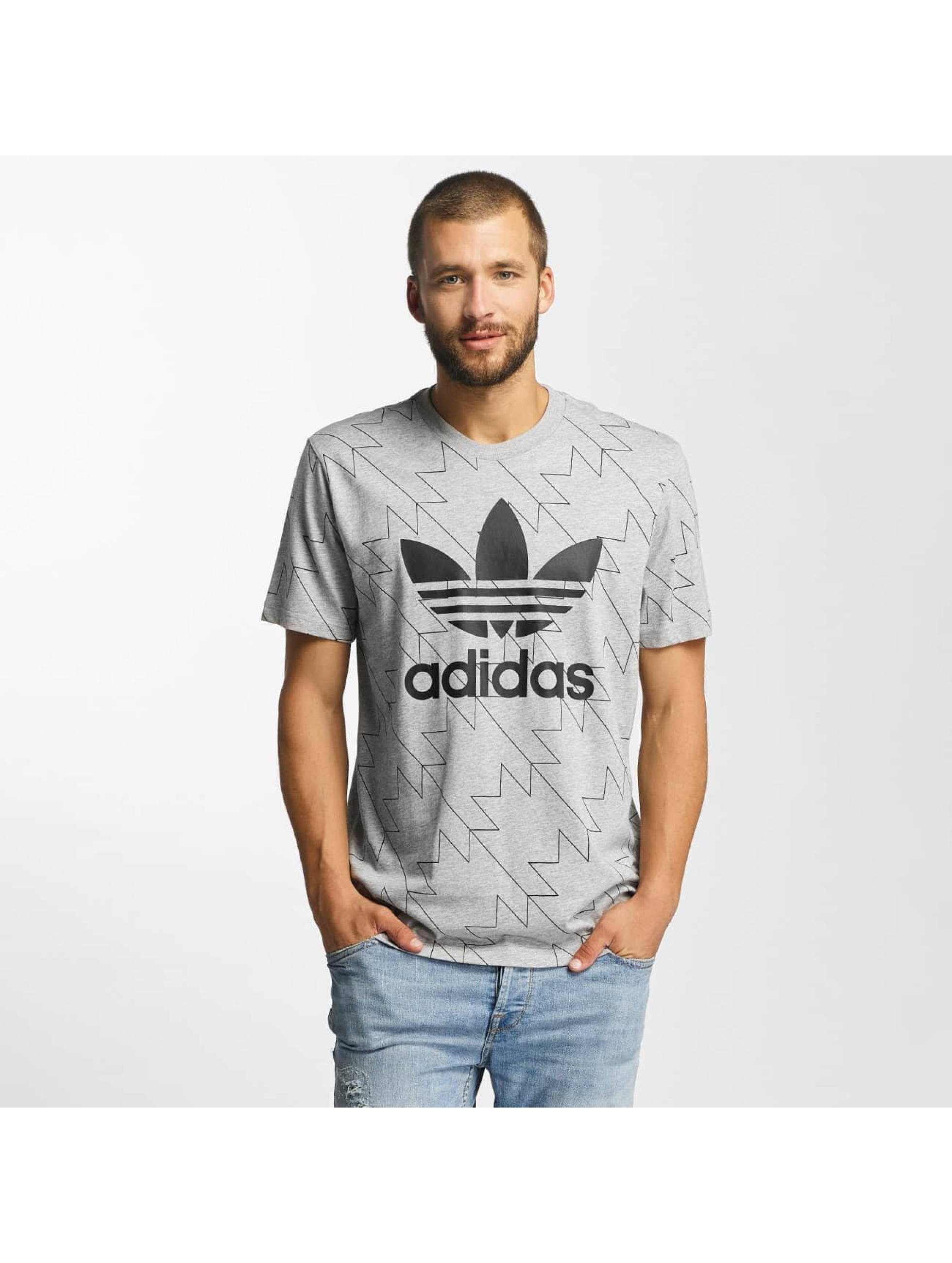 adidas trefoil aop gris homme t shirt adidas acheter pas cher haut 368915. Black Bedroom Furniture Sets. Home Design Ideas