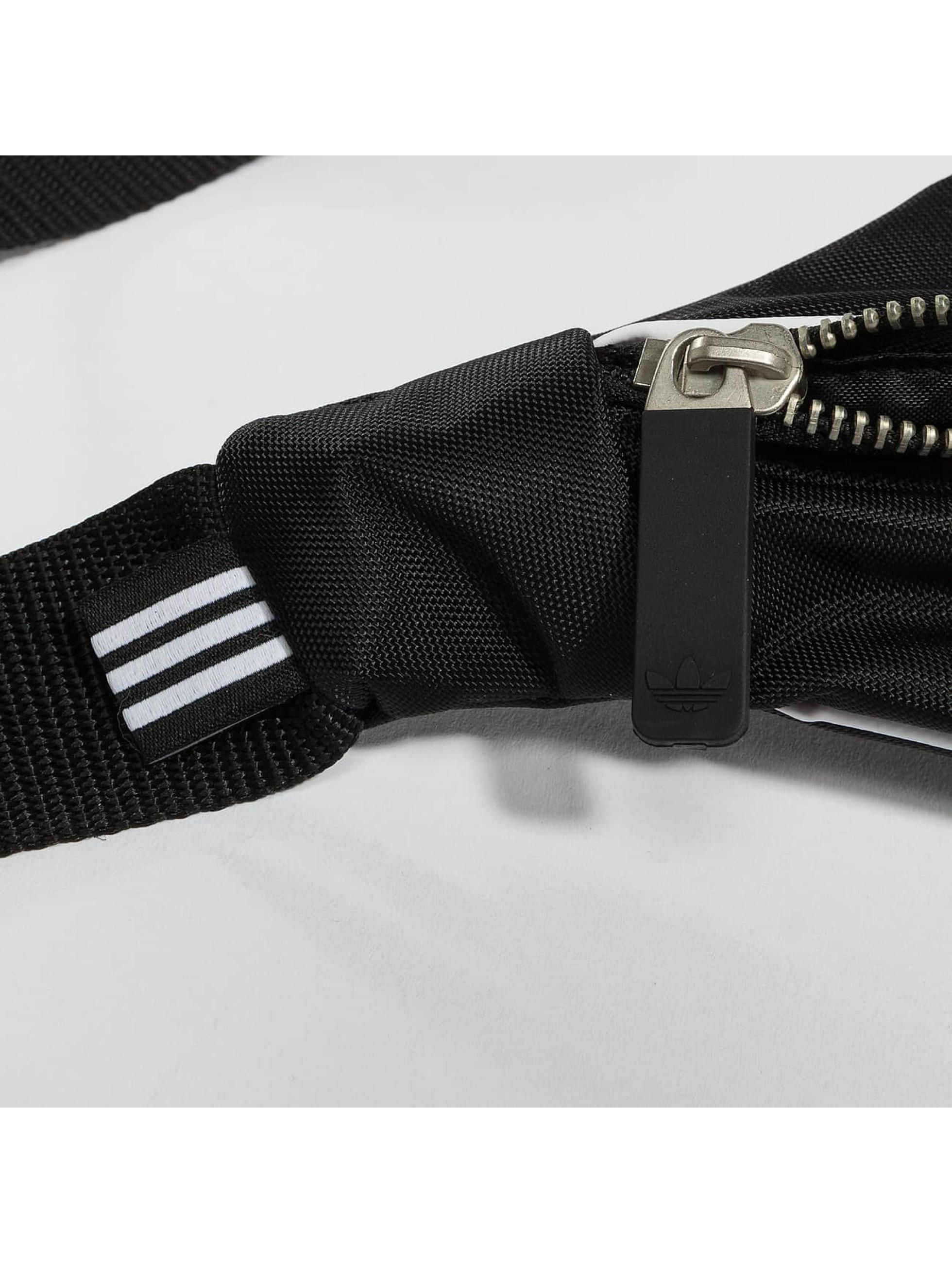 adidas tas Basic zwart