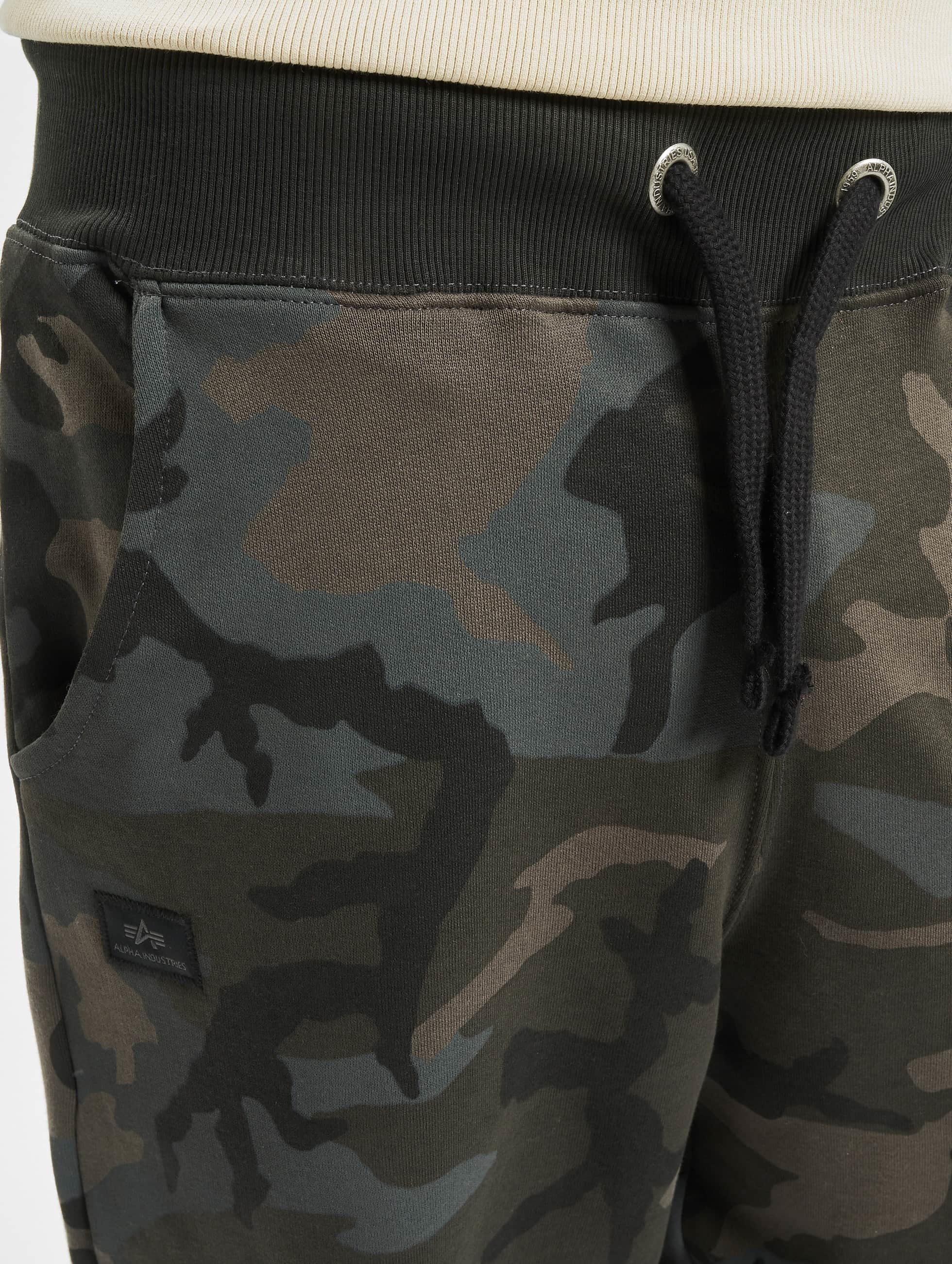 Alpha Industries Joggingbyxor X-Fit Cargo kamouflage