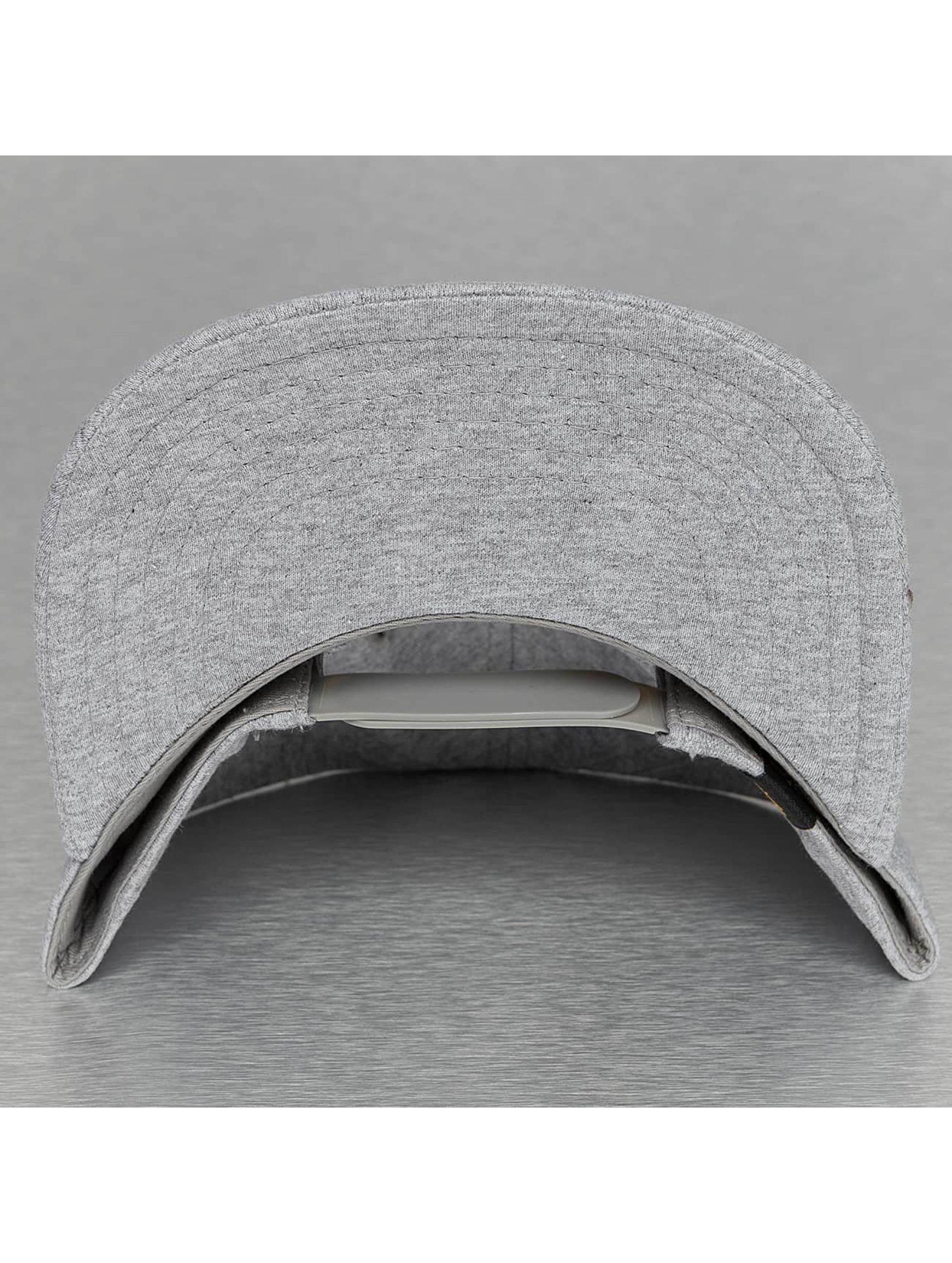 Alpha Industries Snapback X-Fit šedá