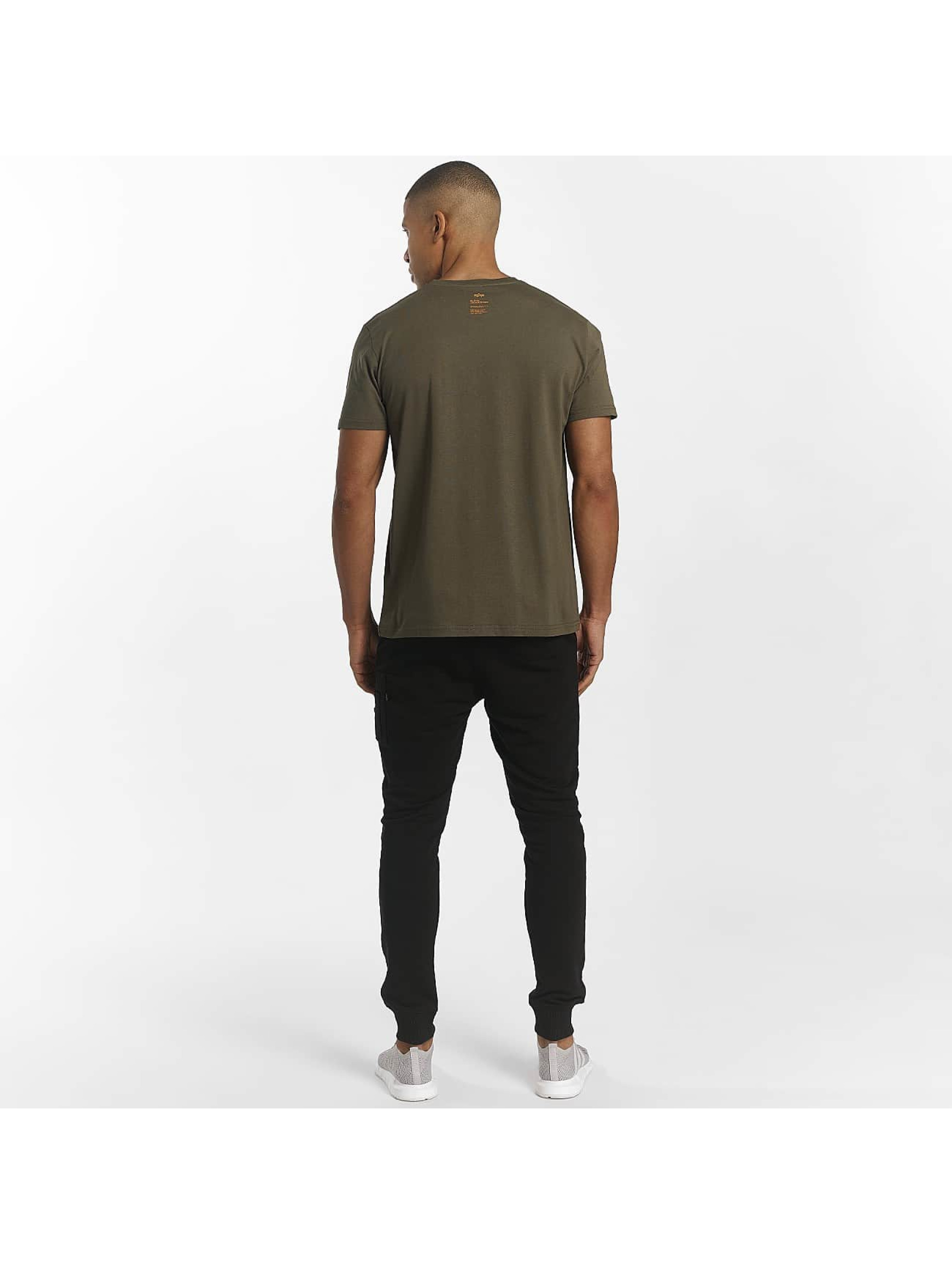 Alpha Industries T-skjorter Star oliven