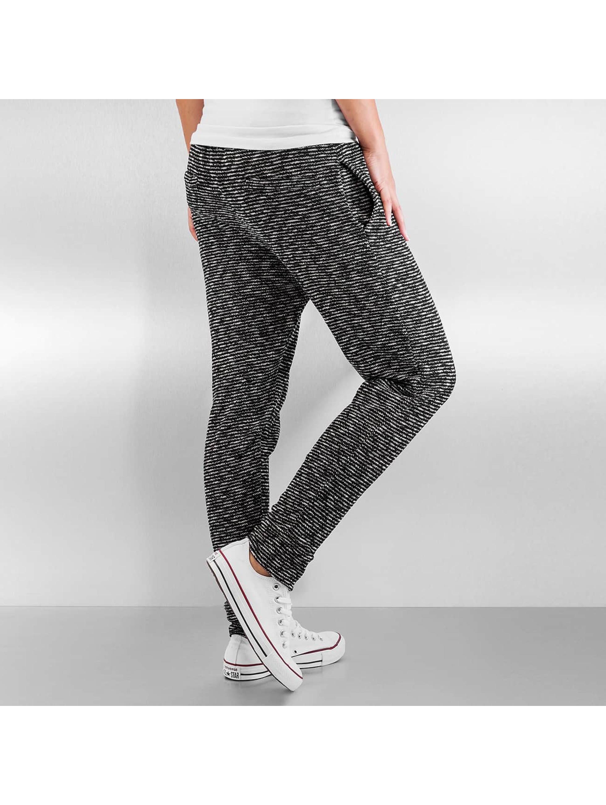 Authentic Style Спортивные брюки Yade черный