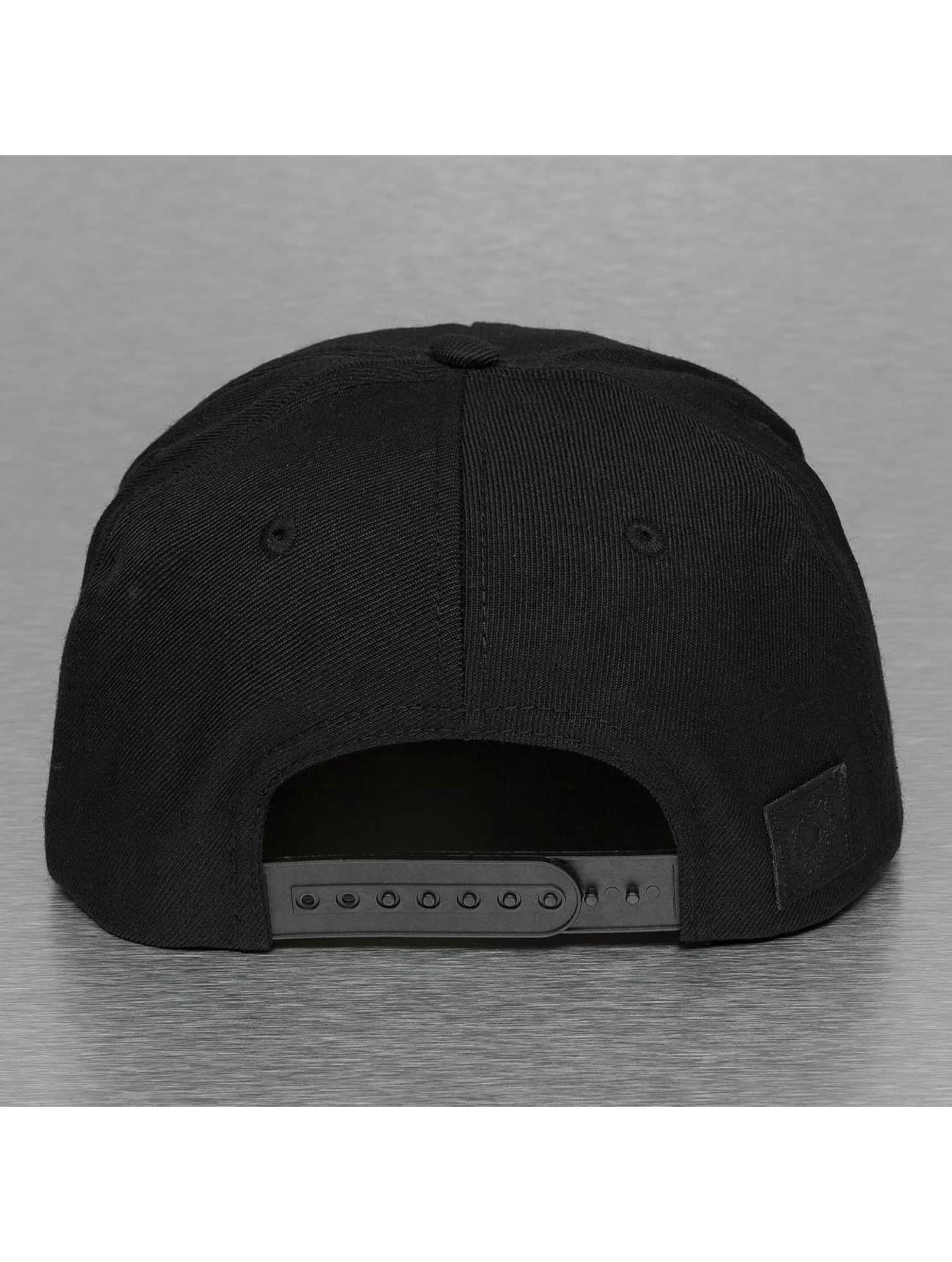 Bangastic Snapback Caps Hand svart