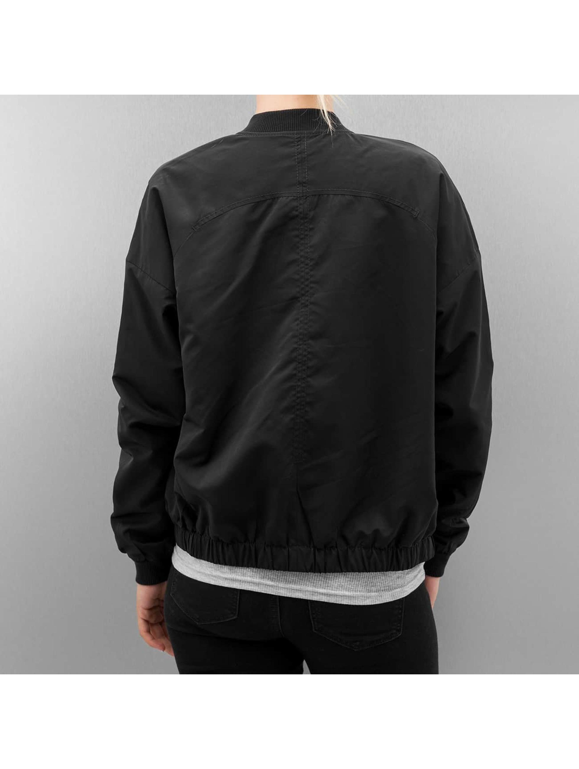 Bench Куртка-бомбардир Solution черный