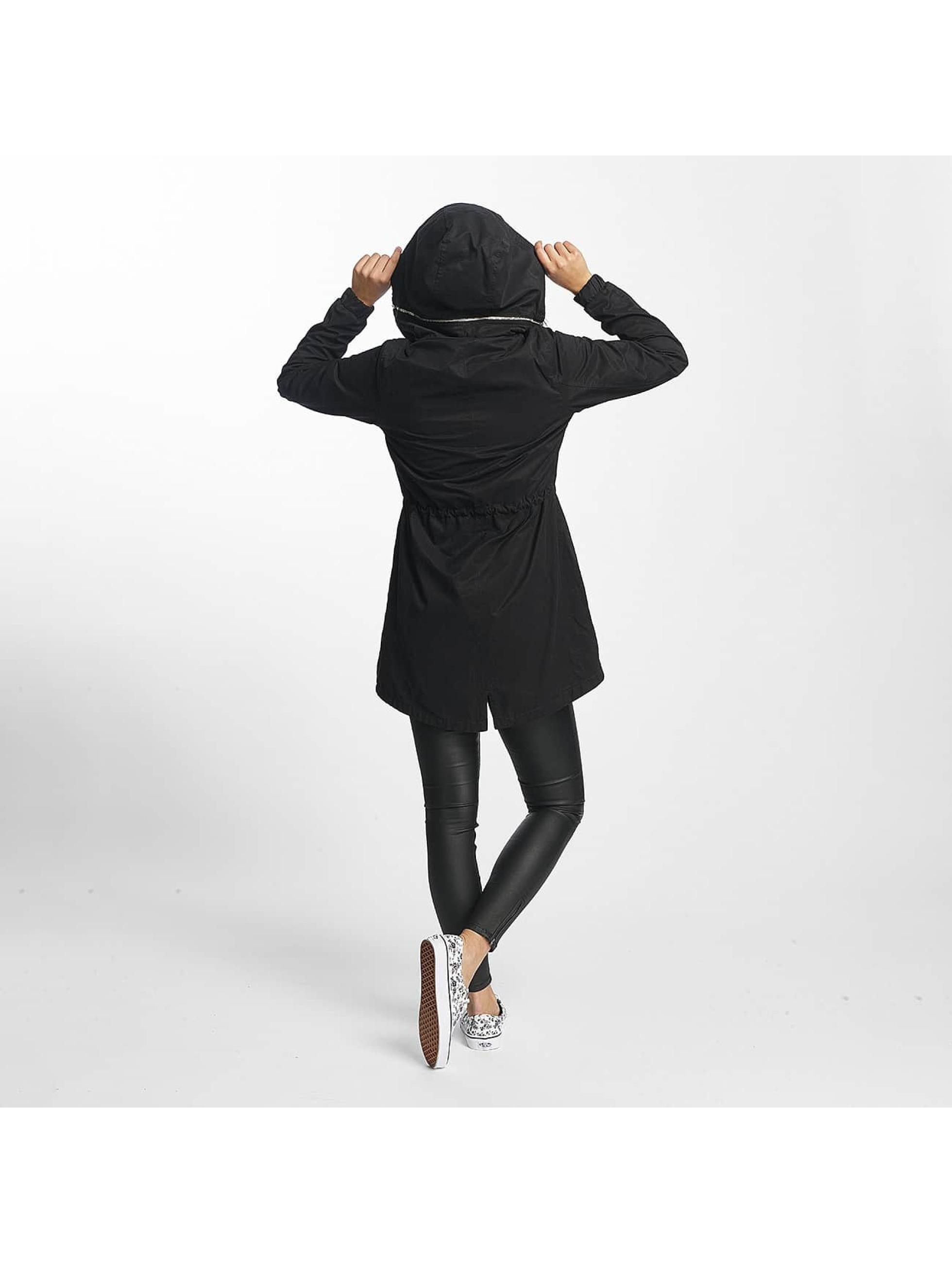 Bench Cappotto Feminine Beltet nero