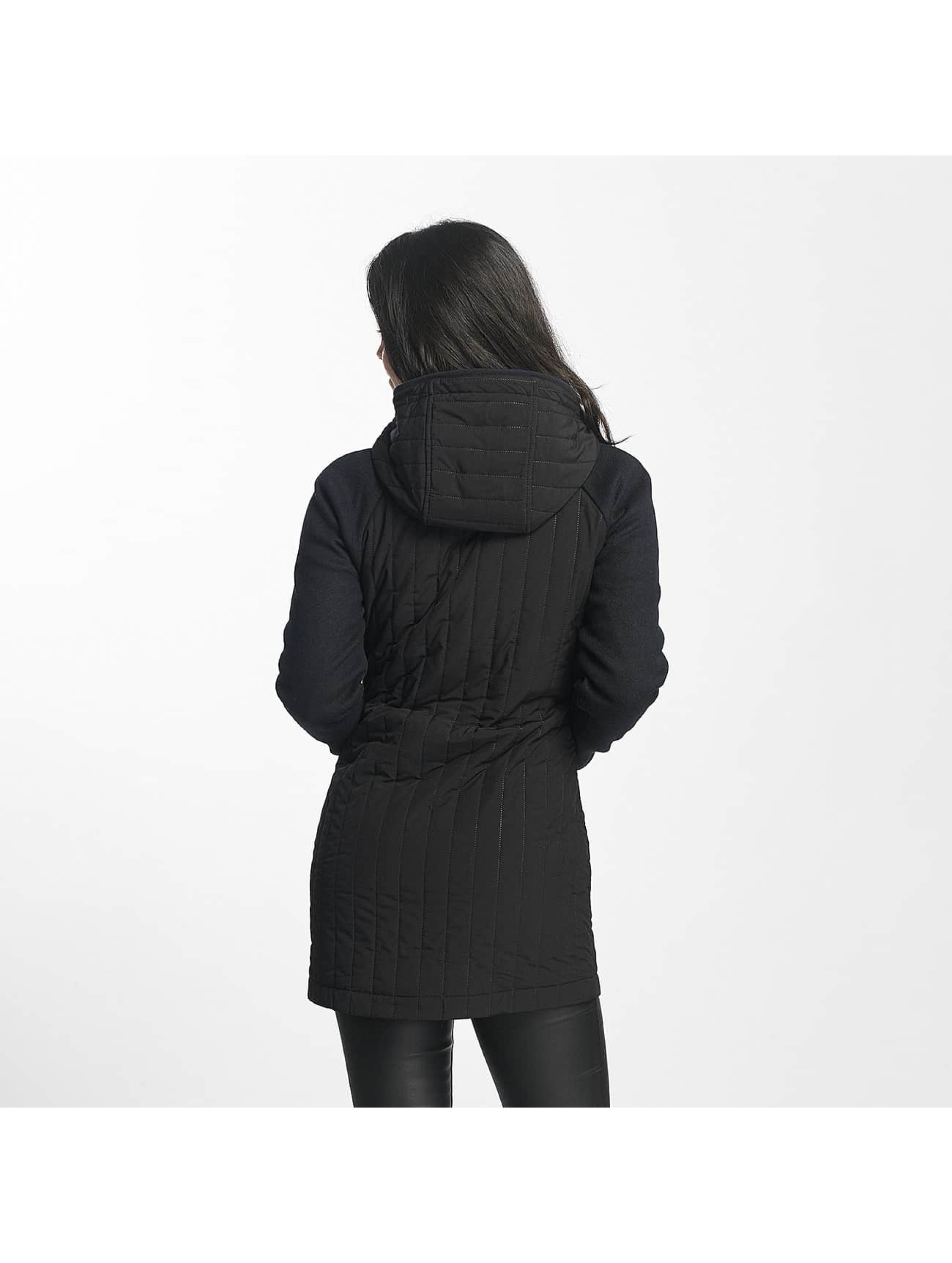 Bench Kabáty Core Slim Mix čern