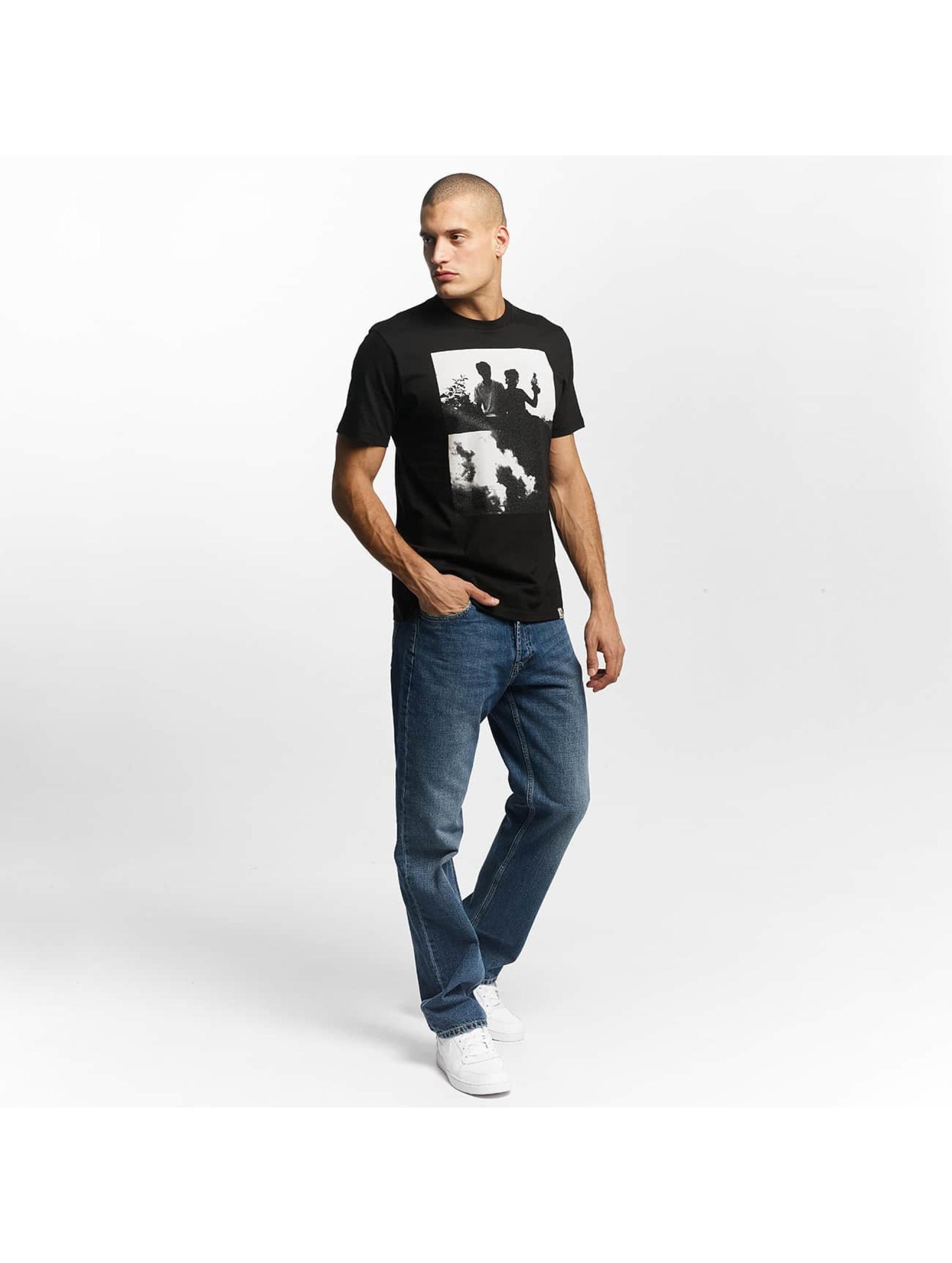 Carhartt WIP T-skjorter Pistols svart
