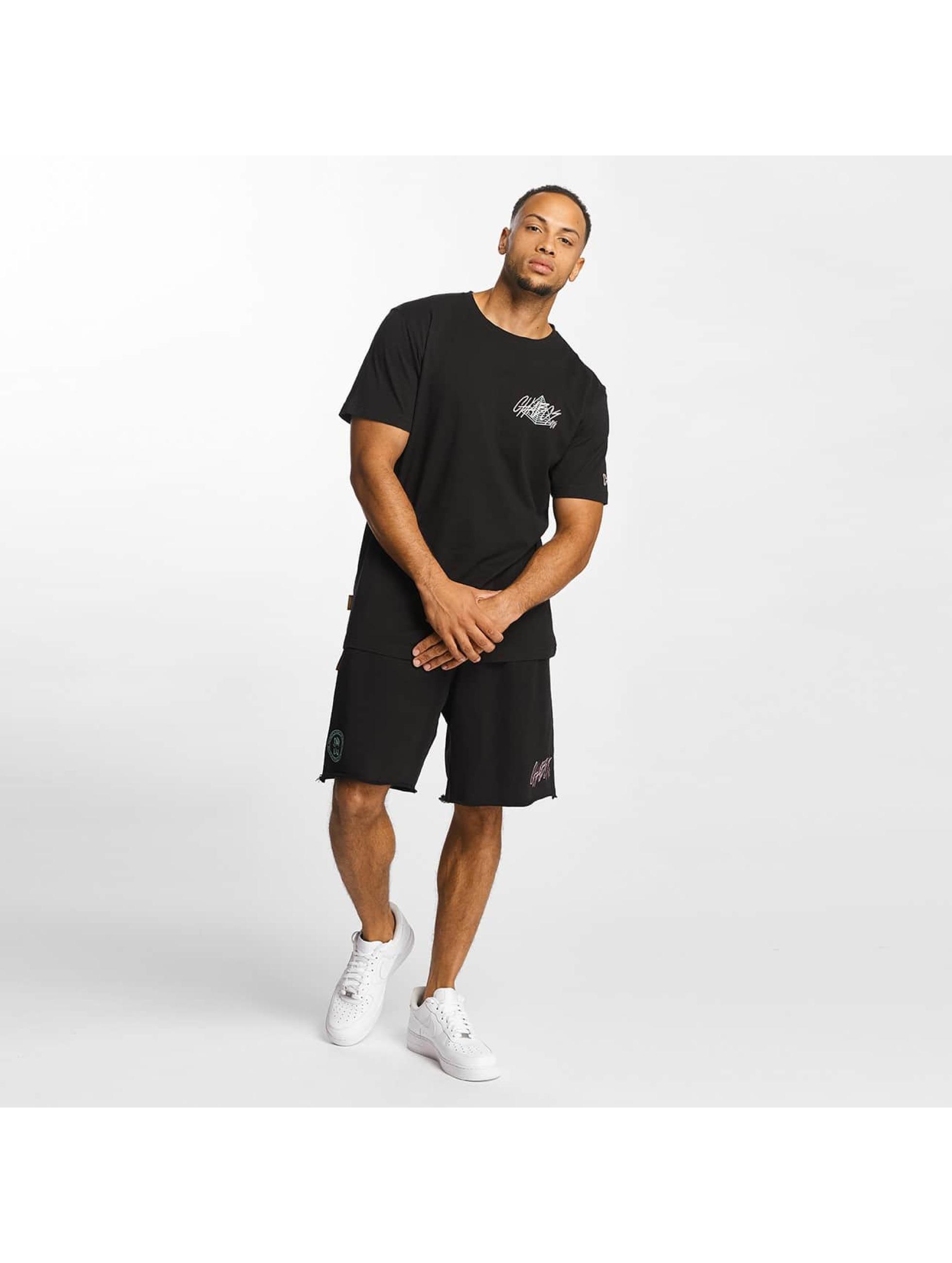 CHABOS IIVII t-shirt Pyramid zwart