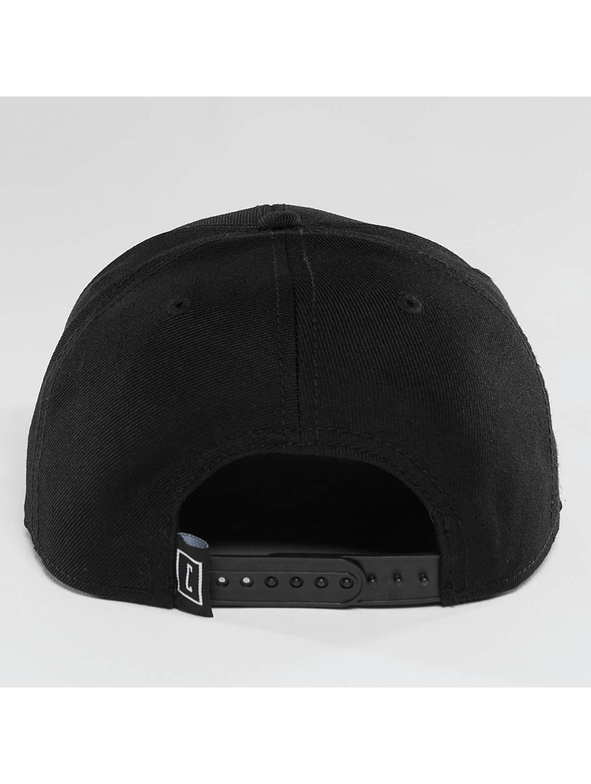 Cyprime Snapback Cap Starter Shape schwarz