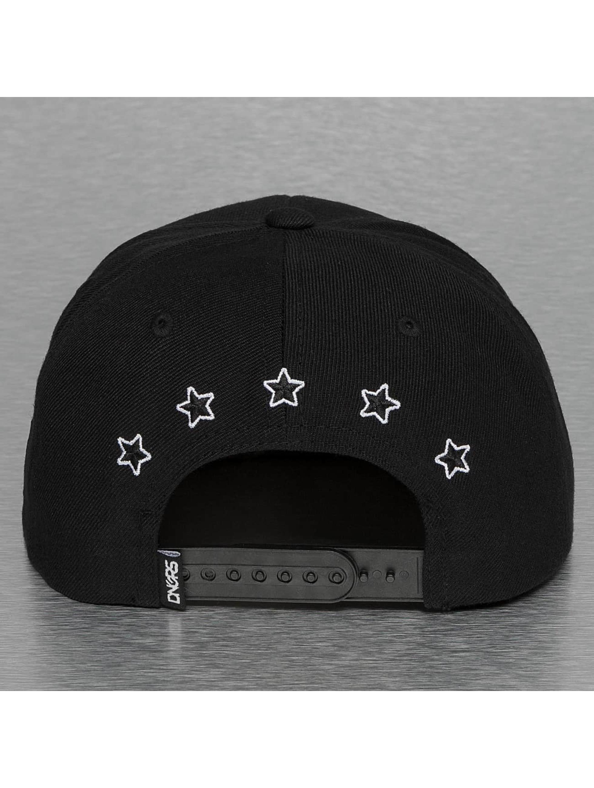 Dangerous DNGRS Snapback Caps Flying Uzi musta