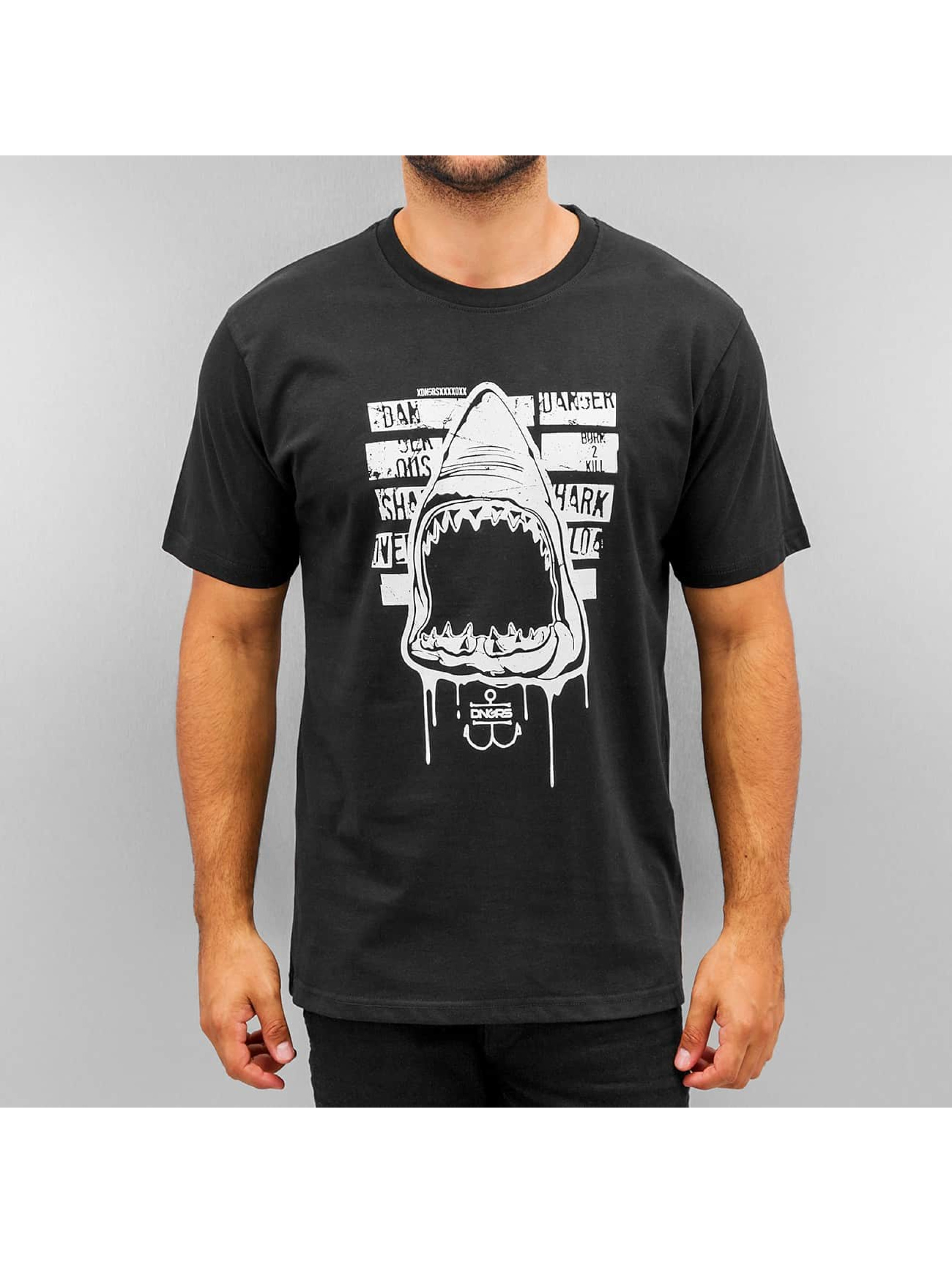 Dangerous DNGRS T-paidat Shark musta