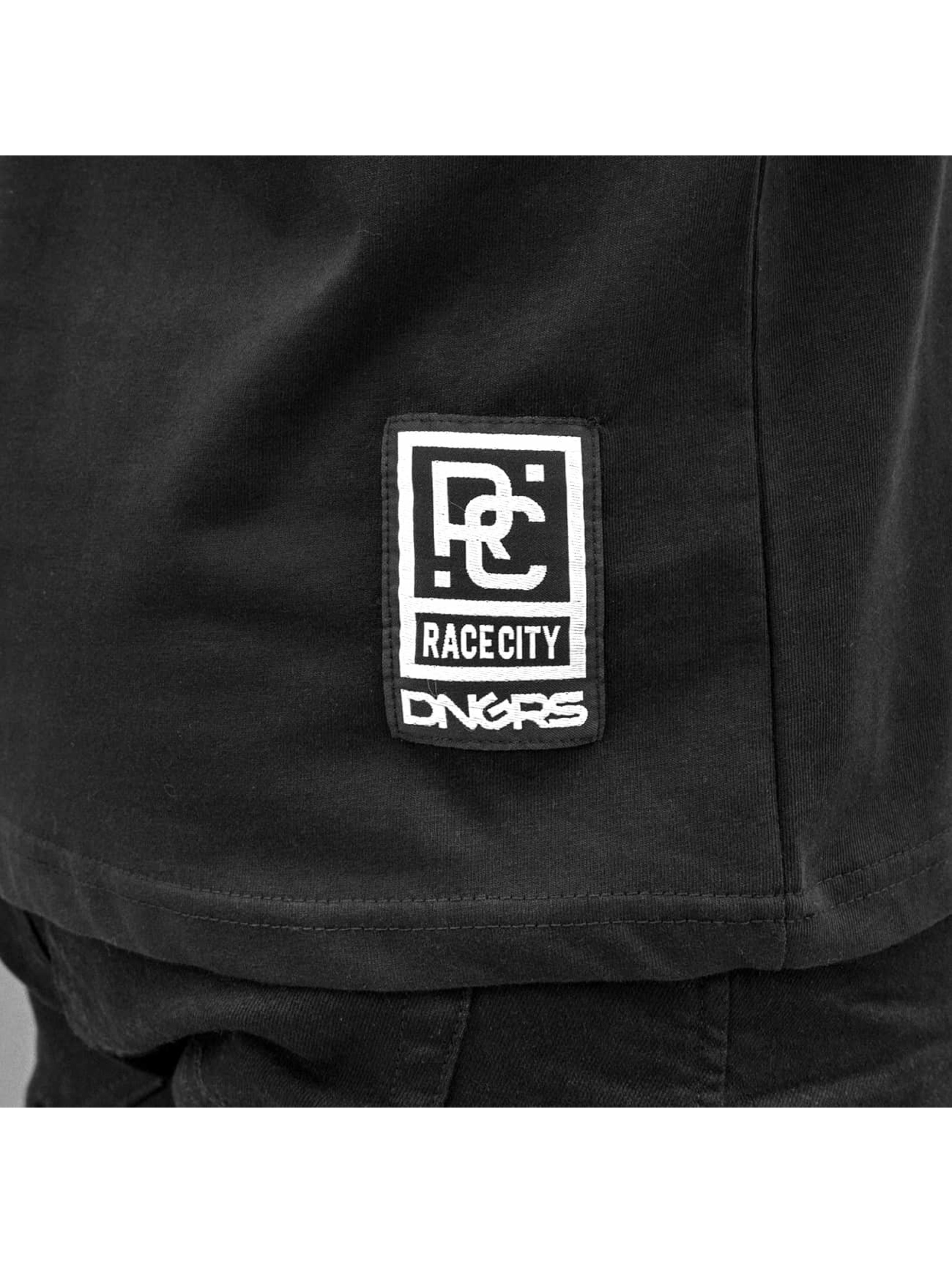 Dangerous DNGRS T-paidat Sprayed Logo Race City musta