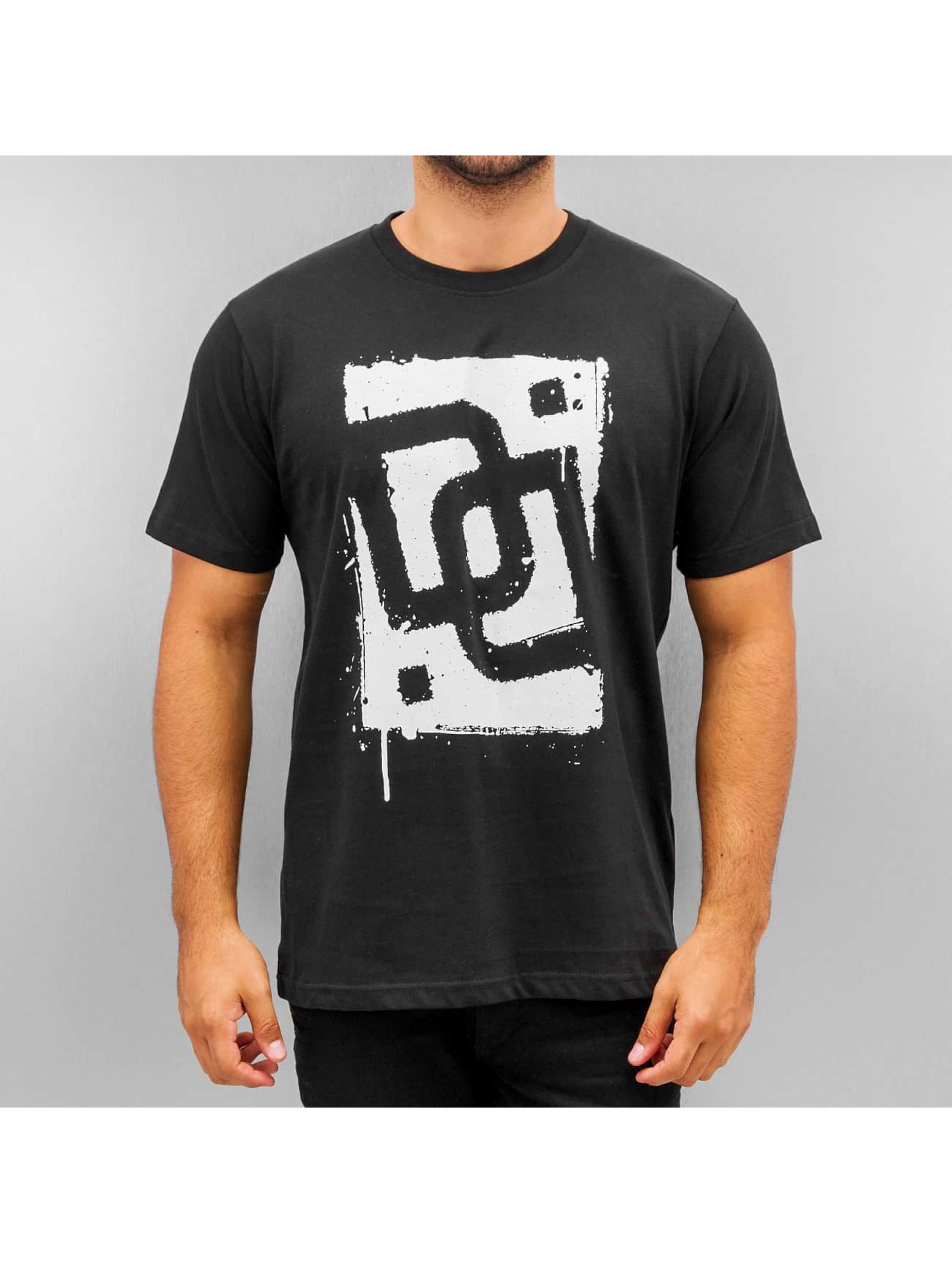 Dangerous DNGRS T-Shirt Sprayed Logo Race City black