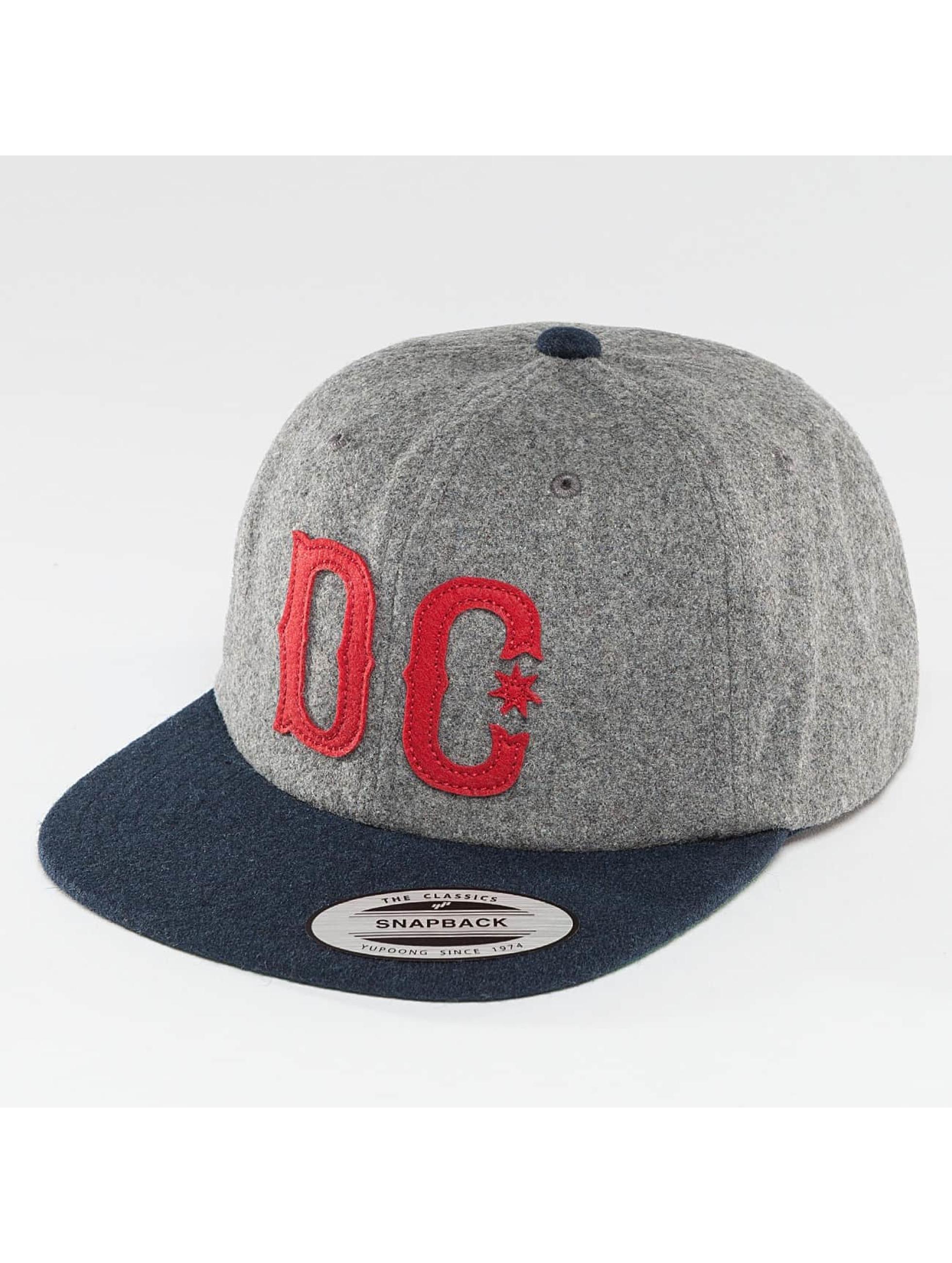 DC Snapback Caps Off Field szary