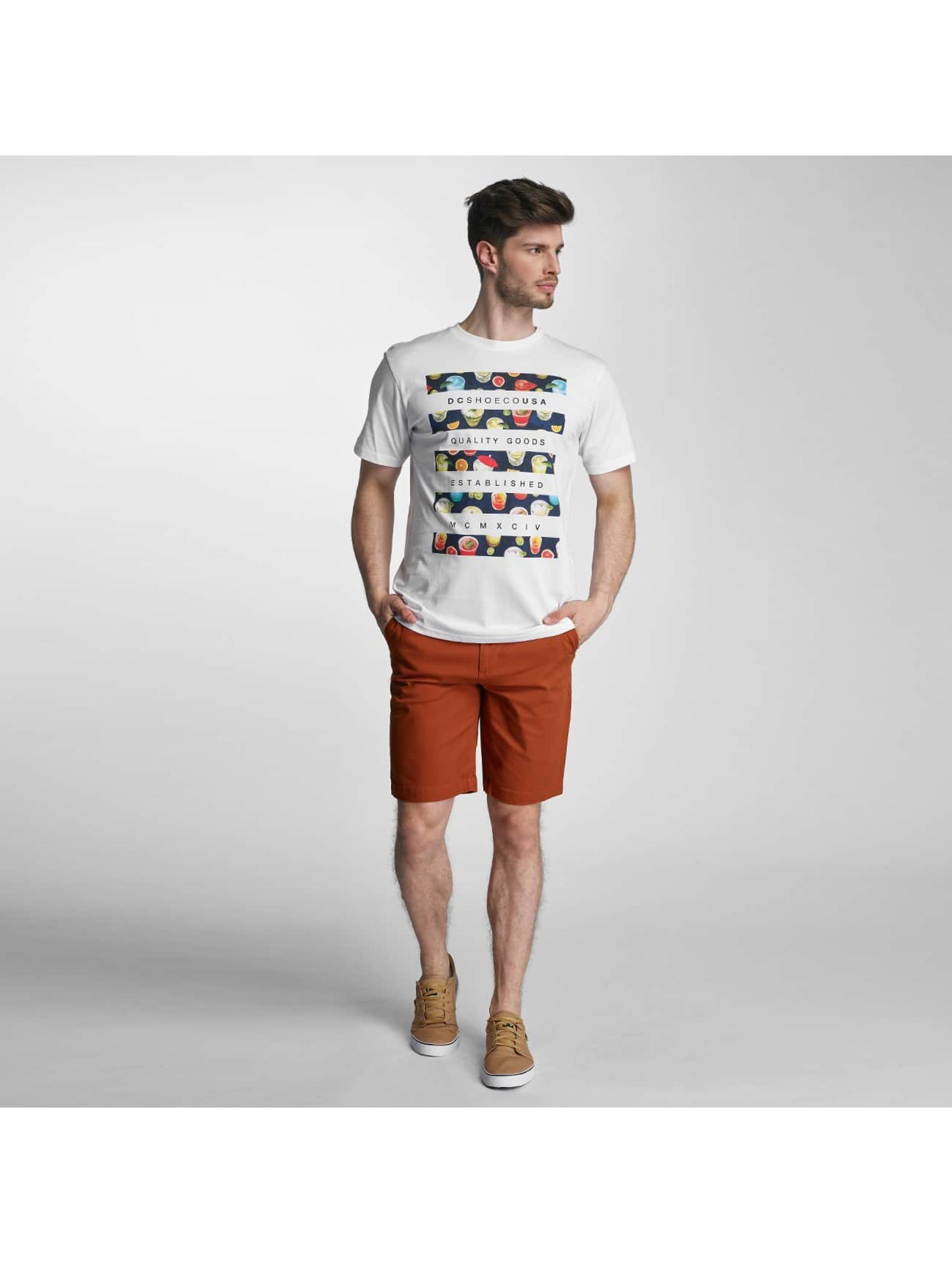 DC T-shirts Drinkit hvid