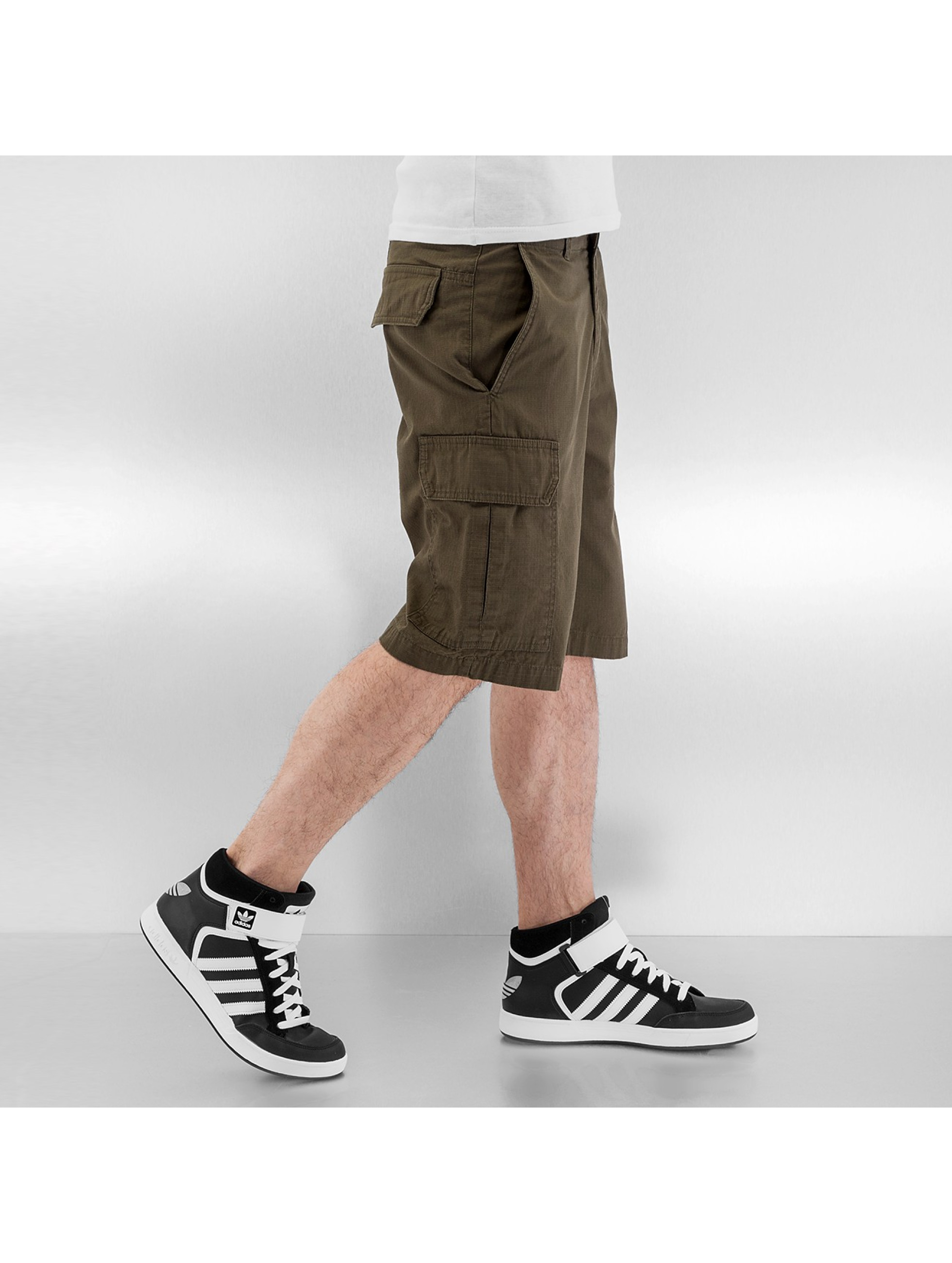 Dickies Shortsit New York oliivi