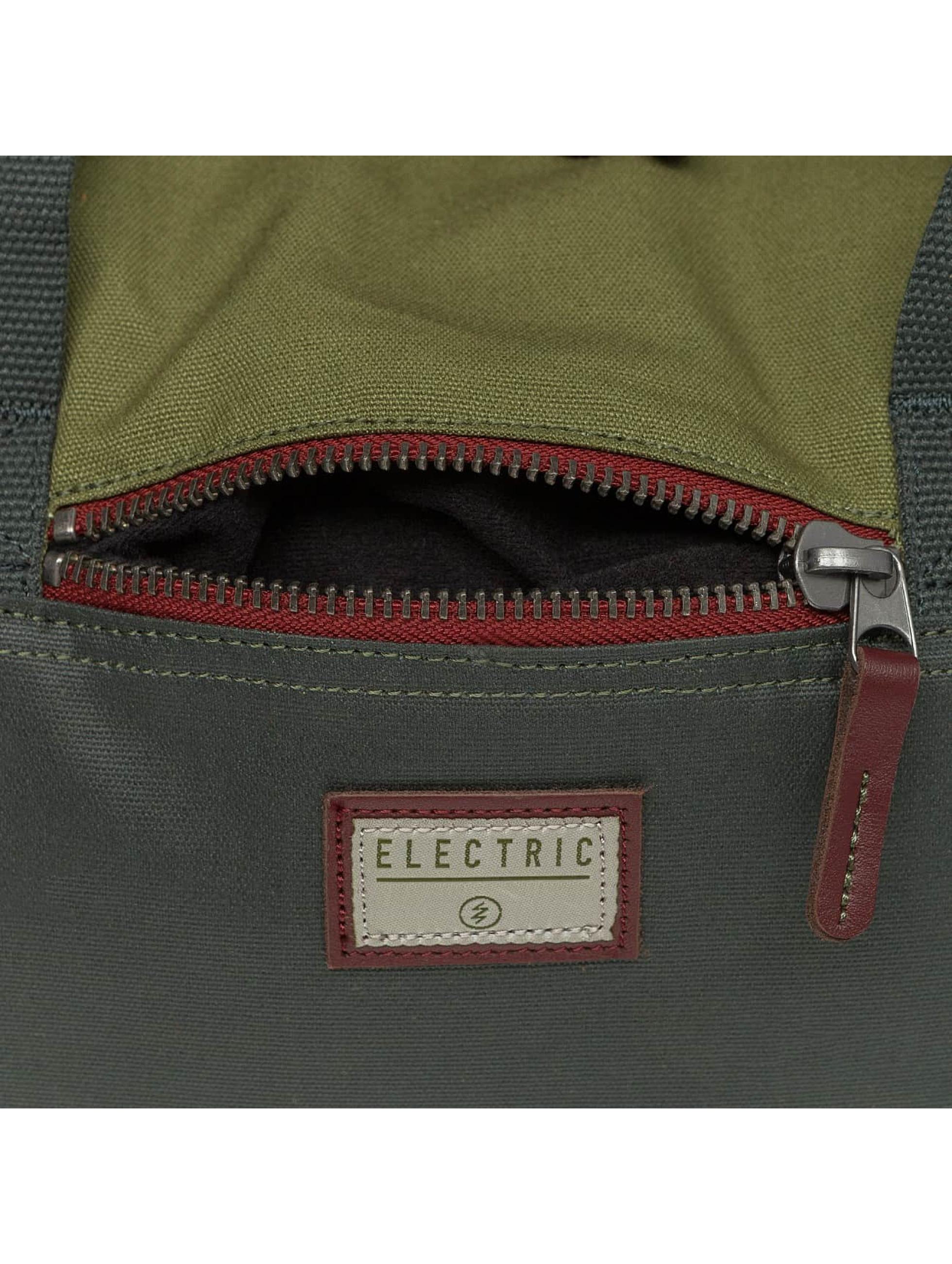 Electric Laukut ja treenikassit BRIEF musta
