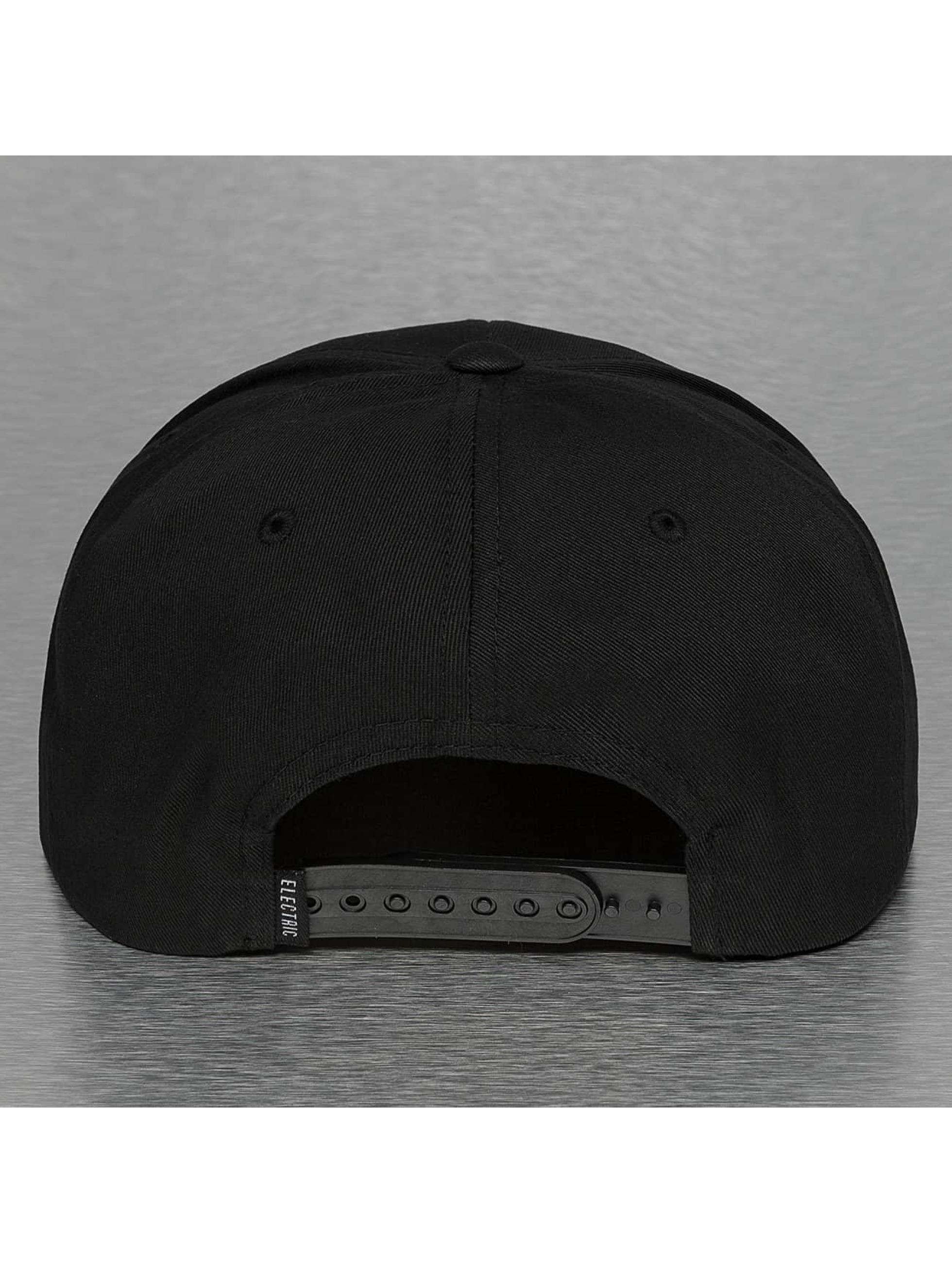 Electric Snapback Cap UNDERVOLT black