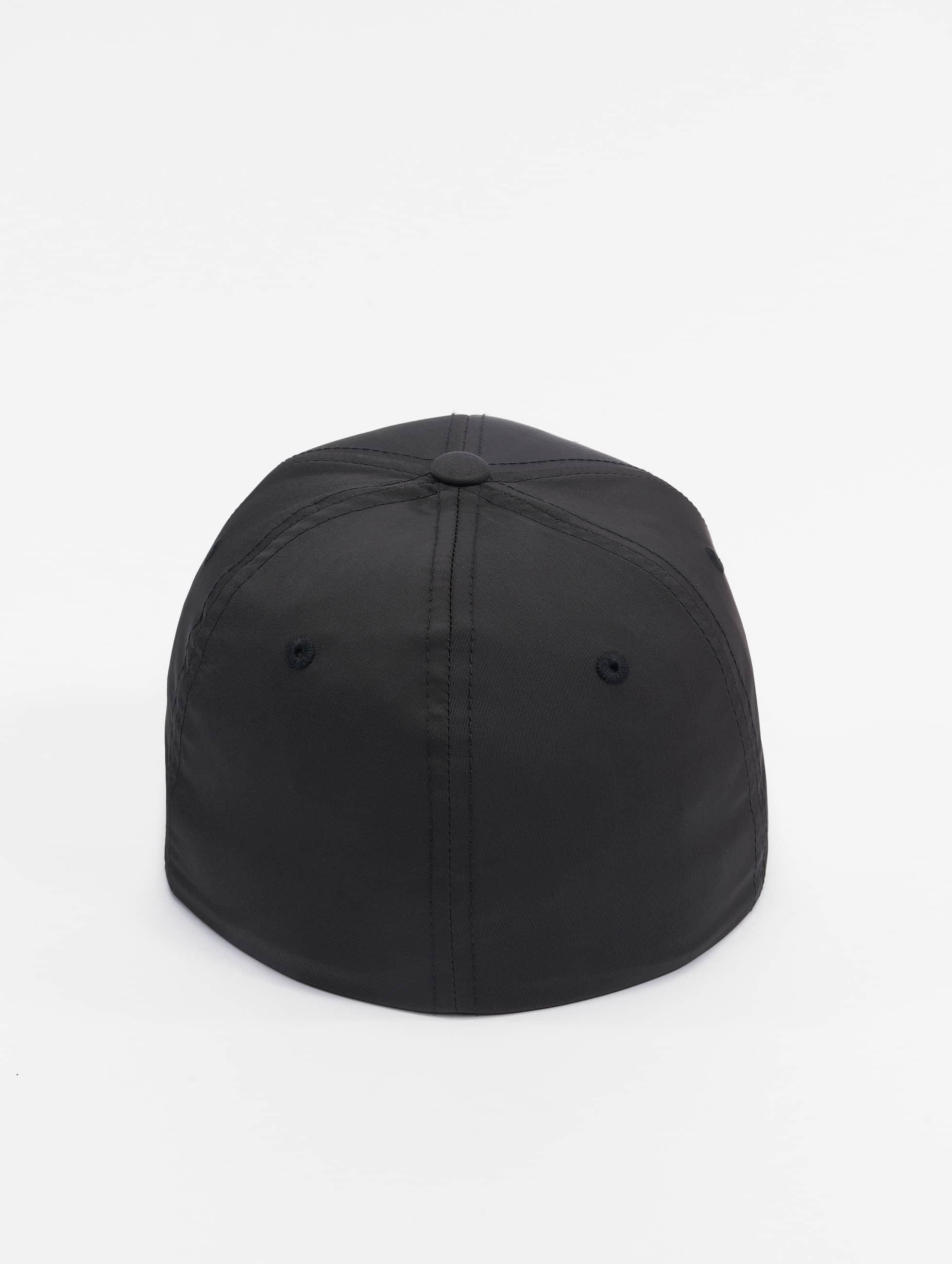 Flexfit Flexfitted Cap Tech schwarz