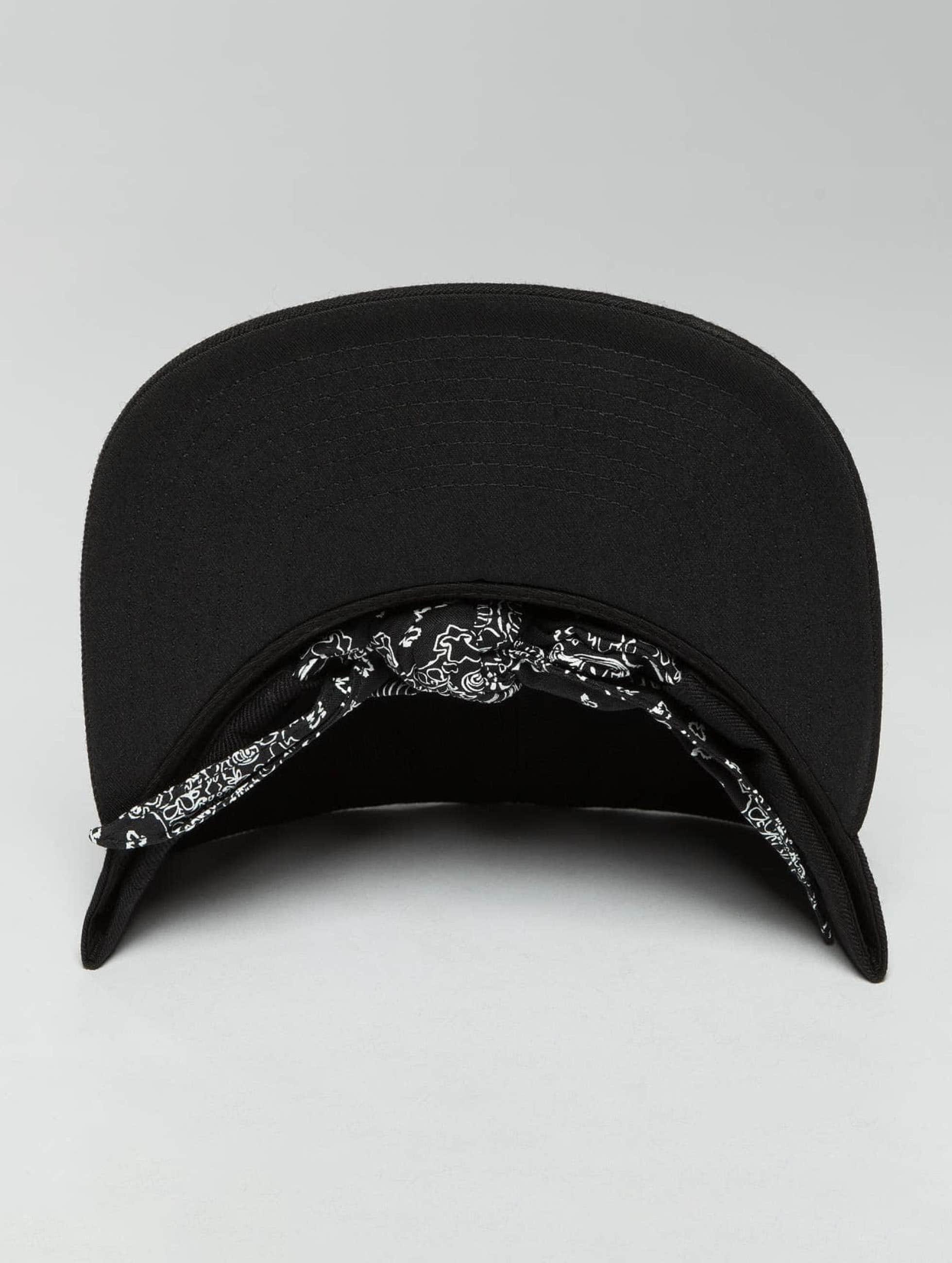 Flexfit Snapback Cap Bandana Tie nero
