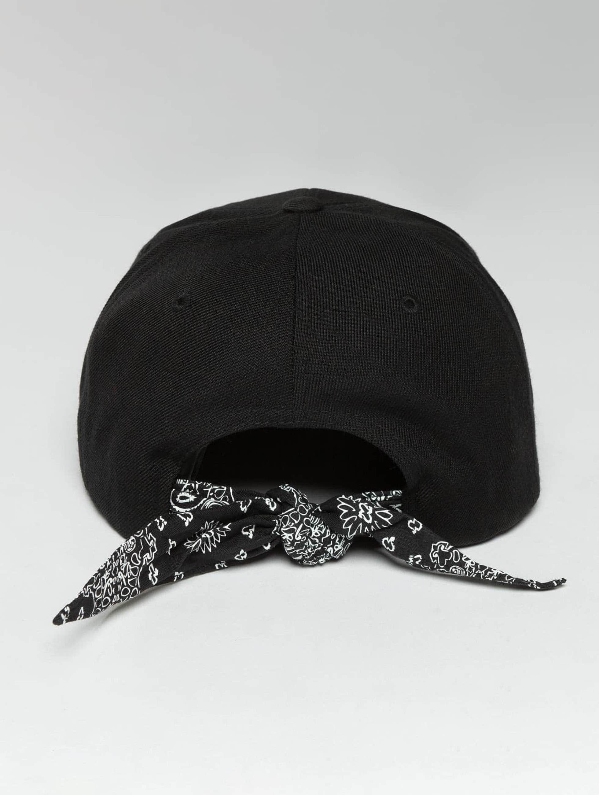Flexfit Snapback Caps Bandana Tie svart