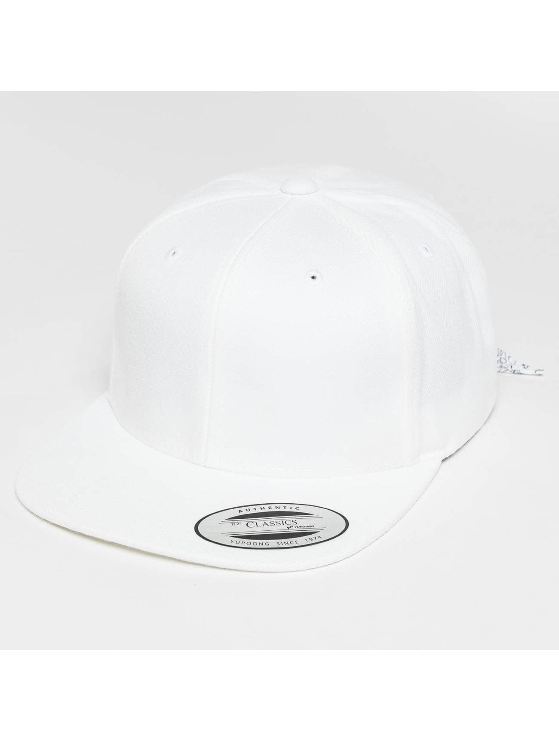 Flexfit Snapback Caps Bandana Tie valkoinen