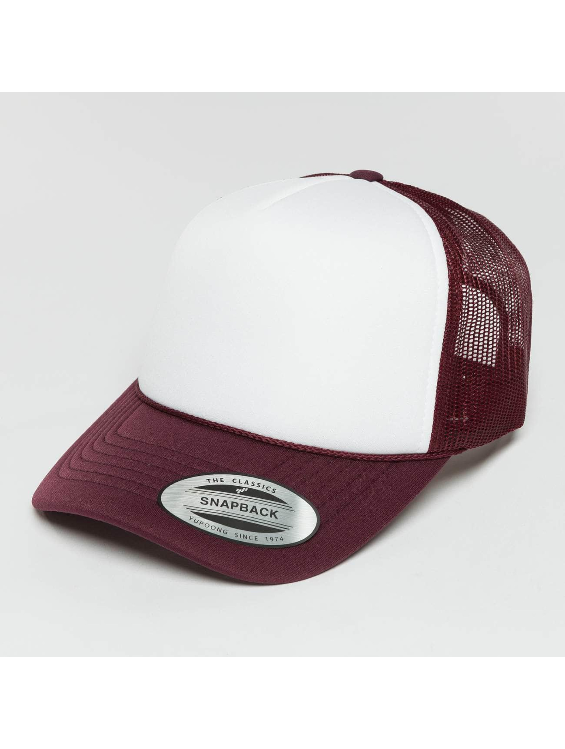 Flexfit Trucker Caps Curved Visor Foam czerwony