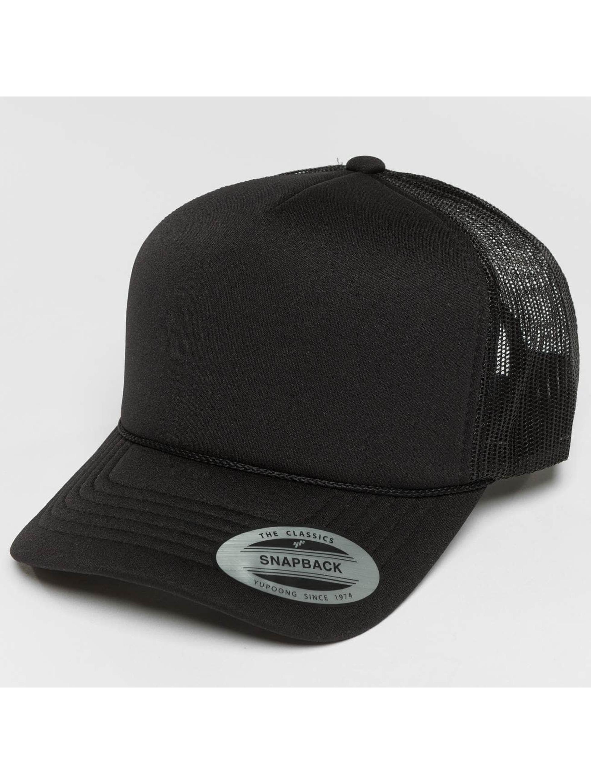 Flexfit Trucker Caps Curved Visor Foam svart