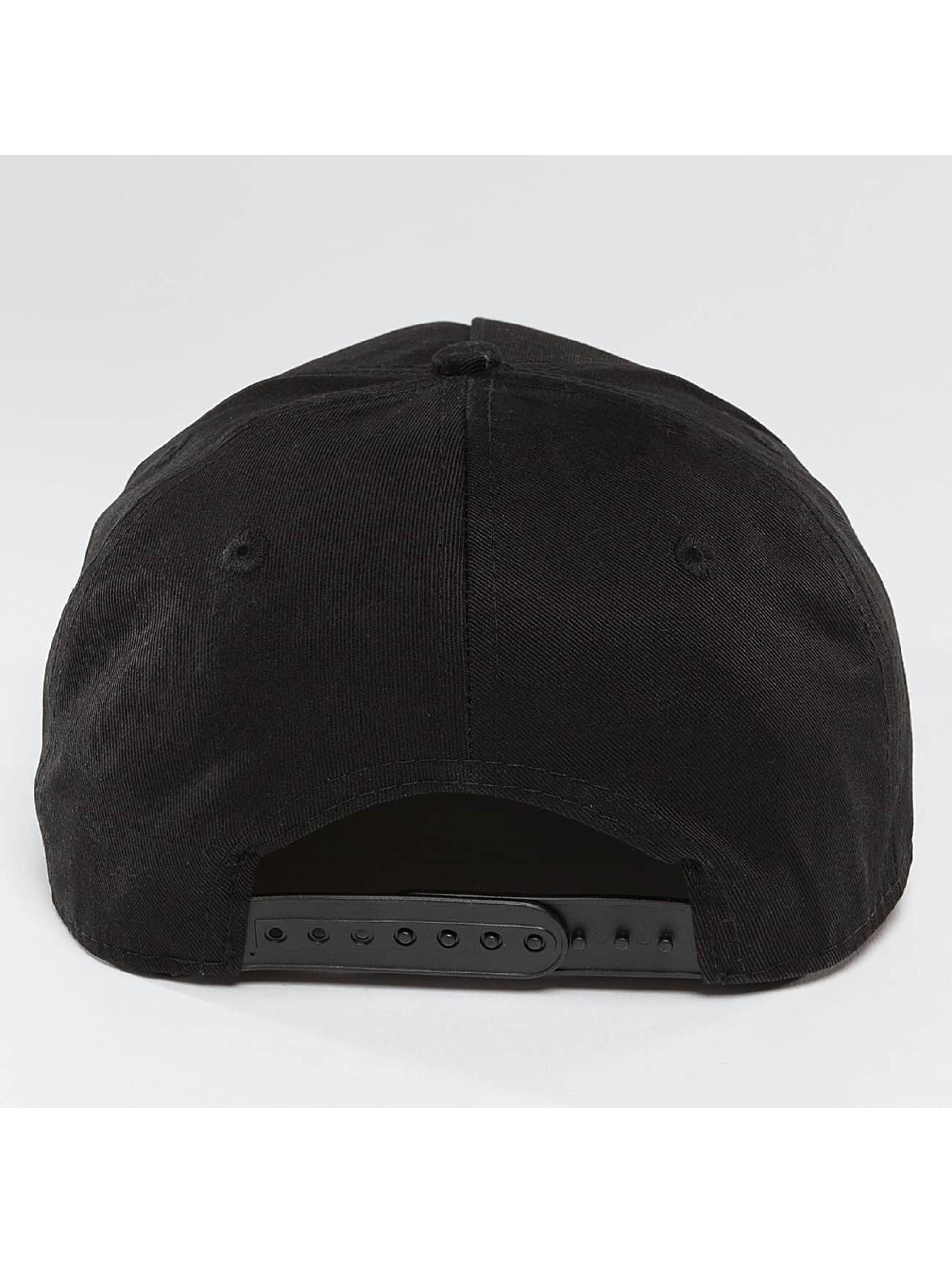 HYPE Snapback Caps Garden Leaf svart