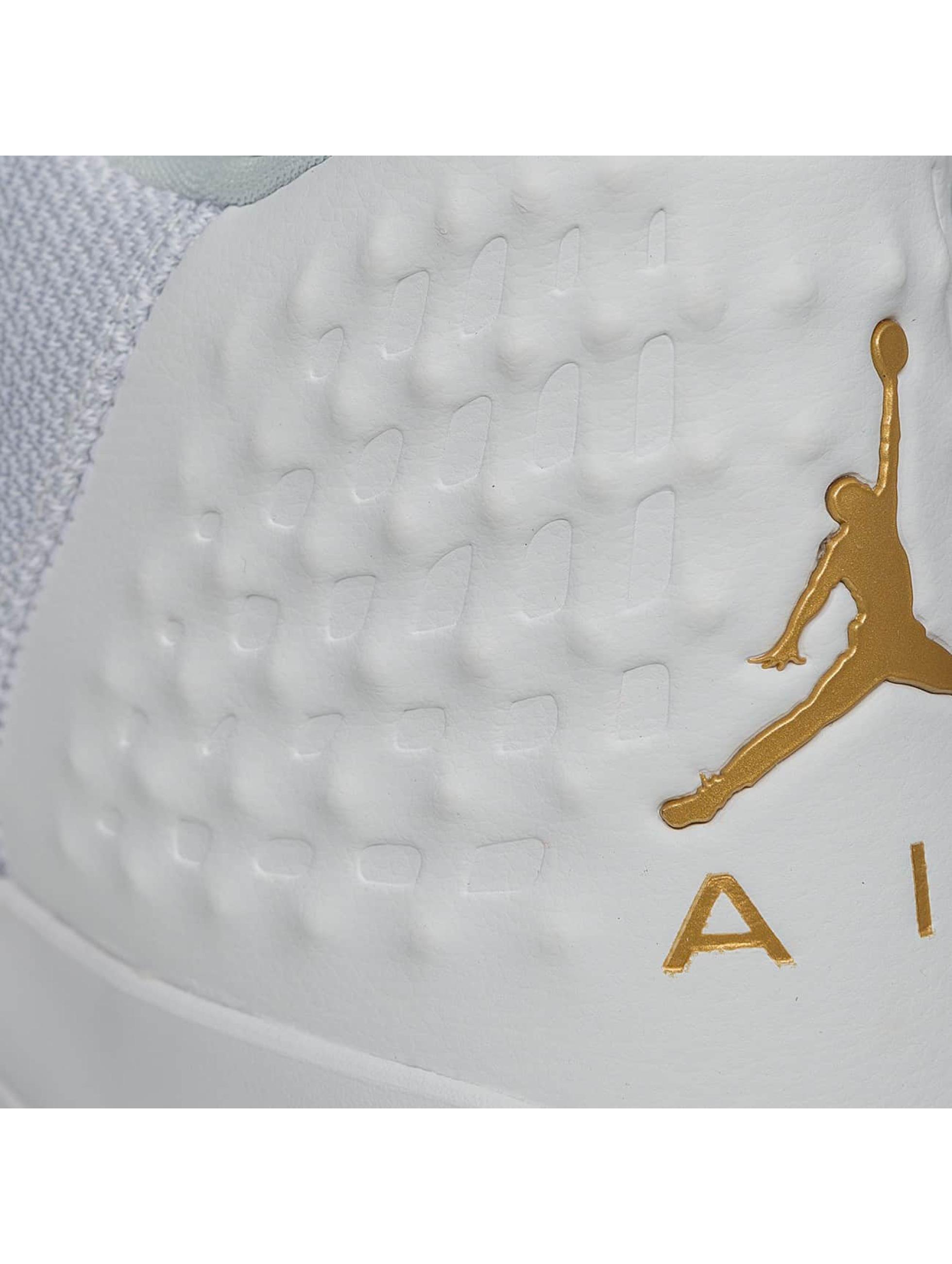Jordan Baskets Academy blanc
