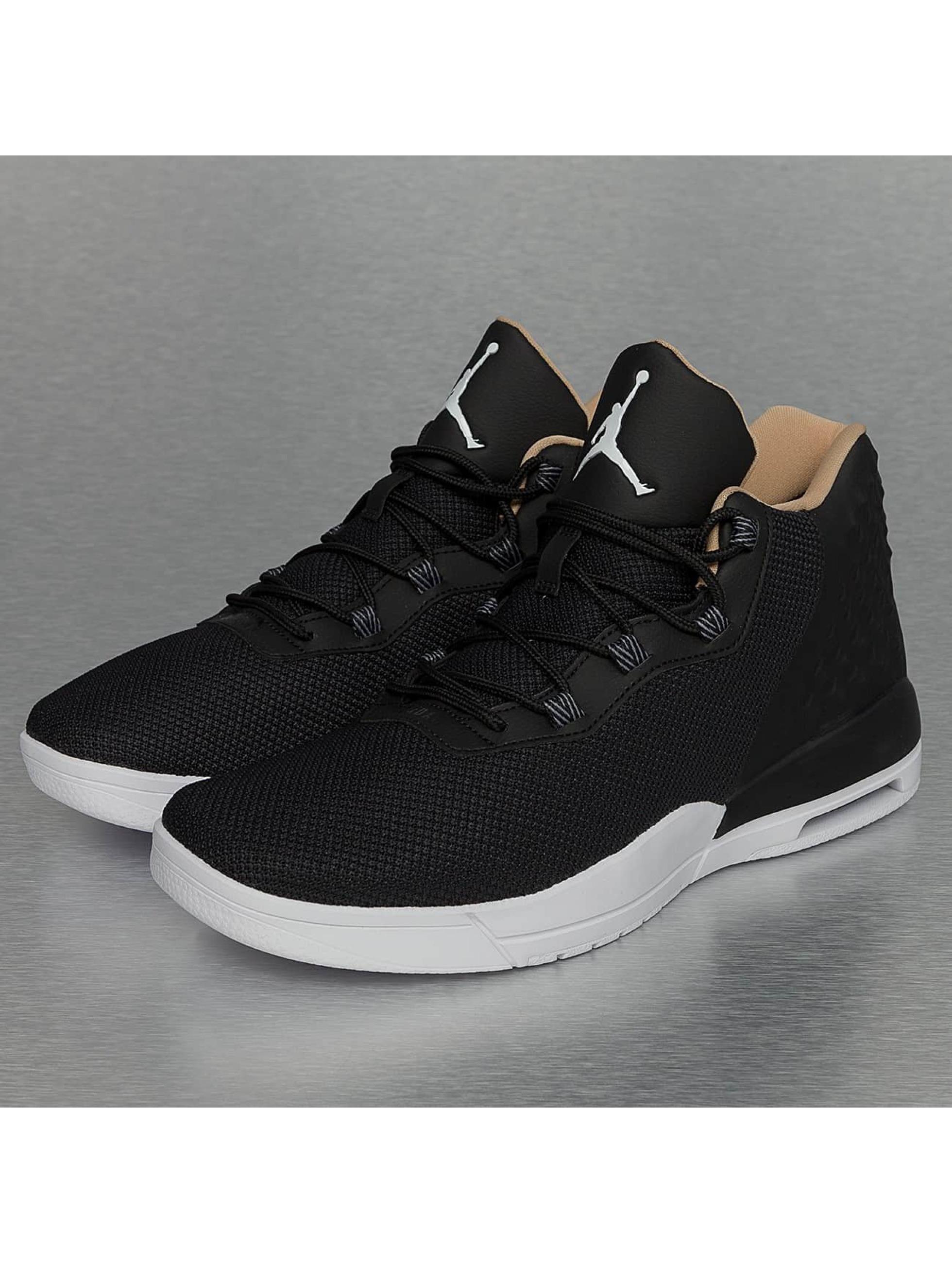 Jordan Chaussures / Baskets Academy en noir