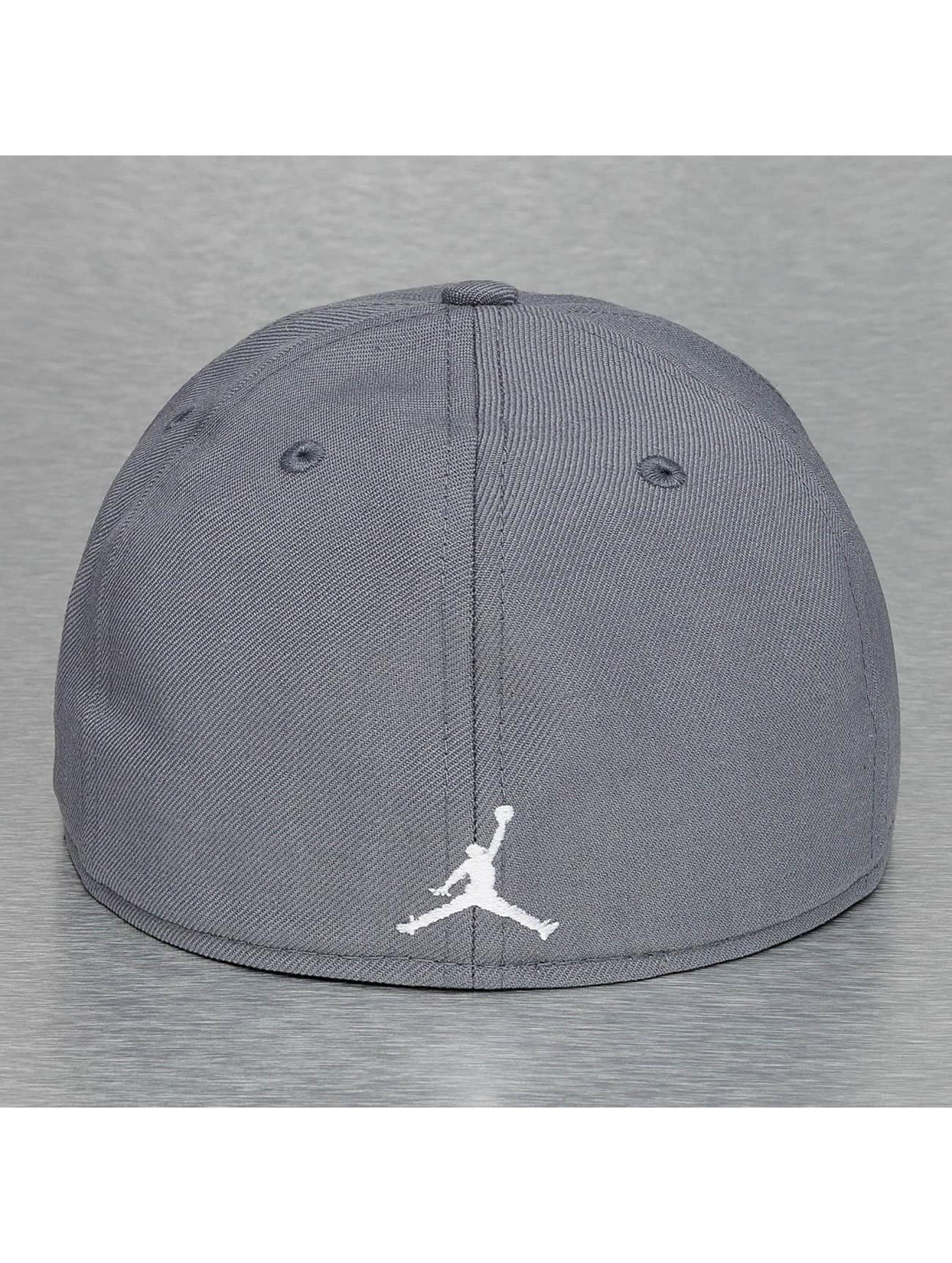 Jordan Fitted Cap Jumpman grau