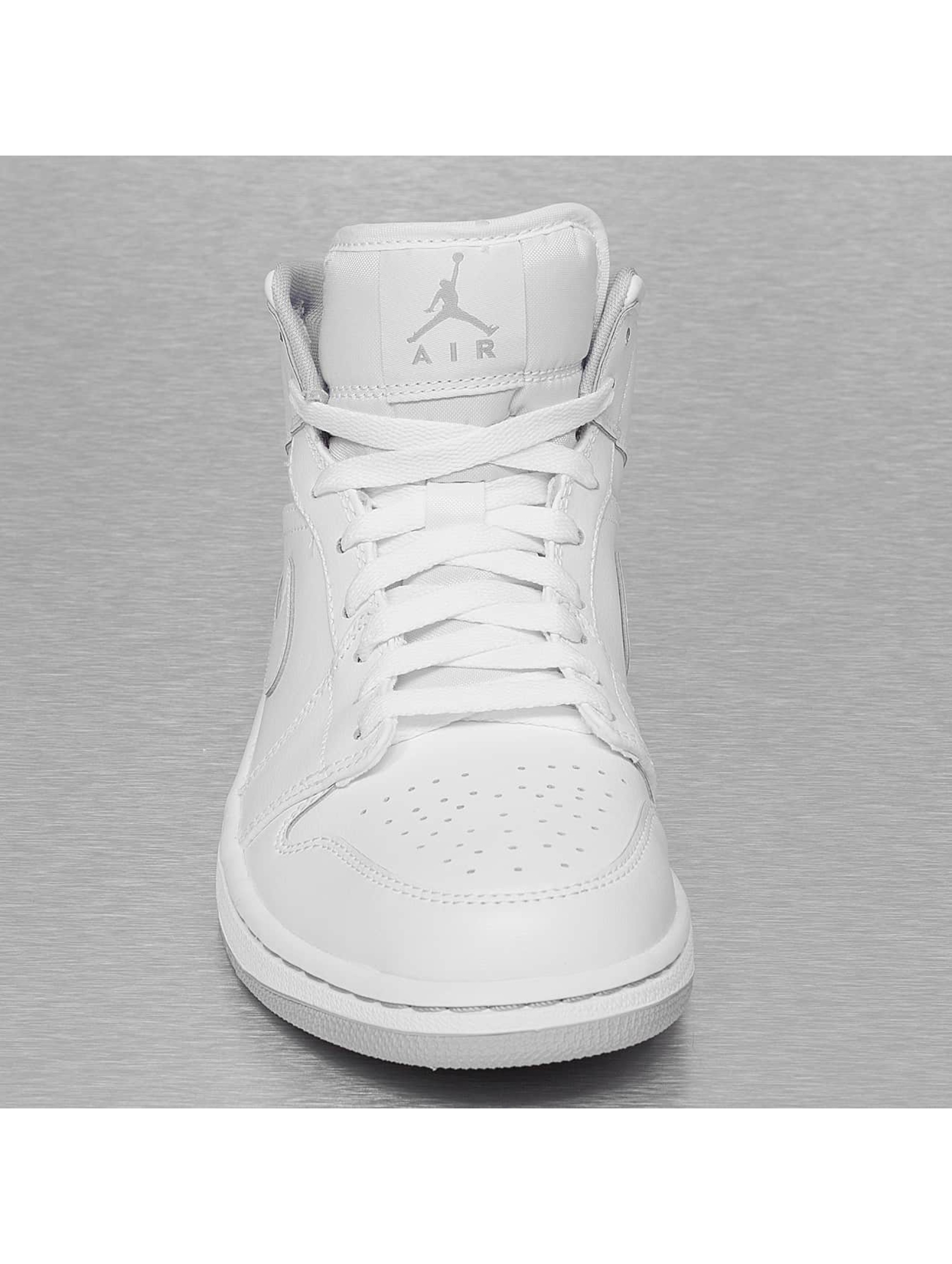 Nike jordan flight weiss for Schuhschrank jordan design