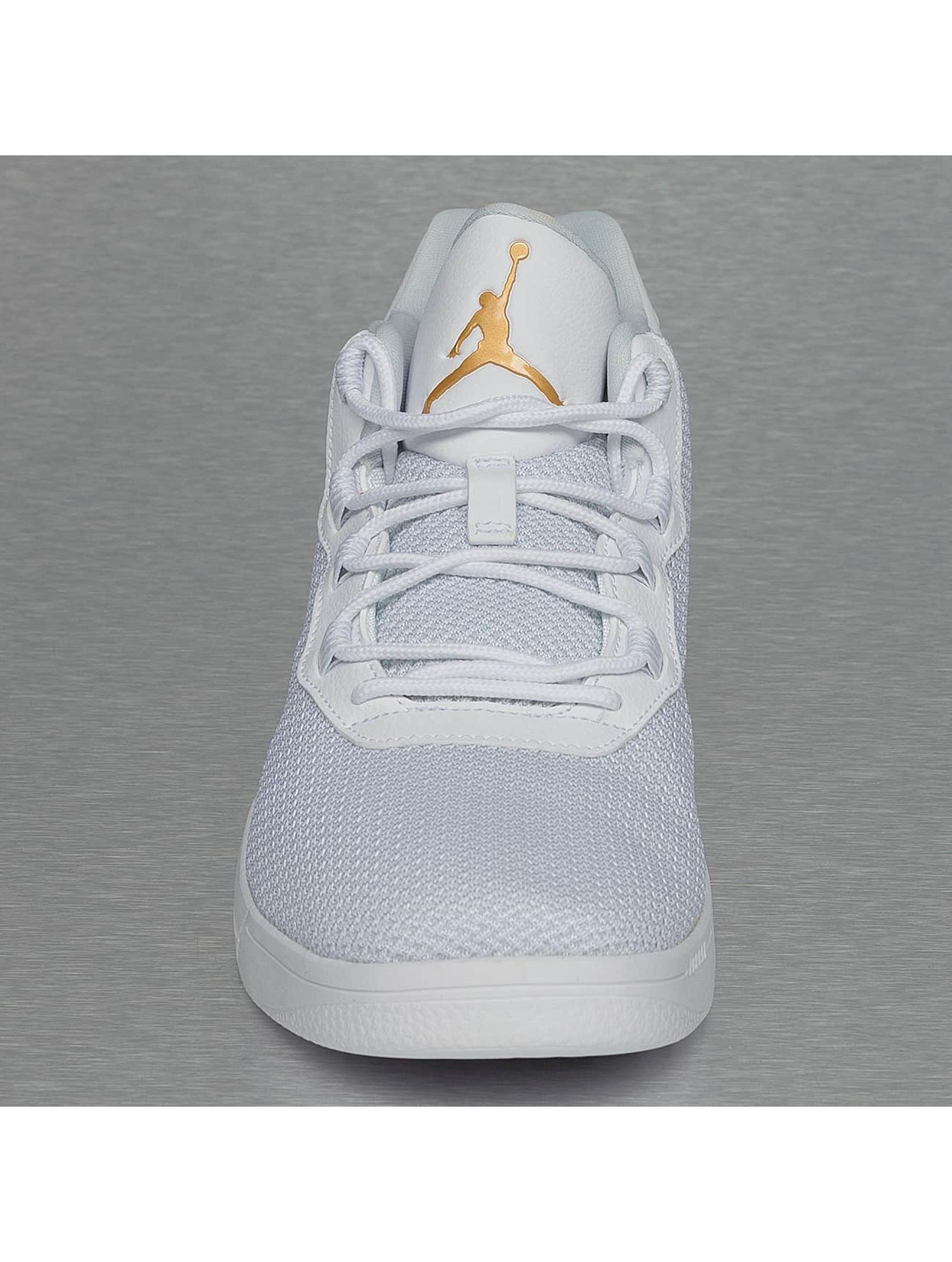 Jordan sneaker Academy wit