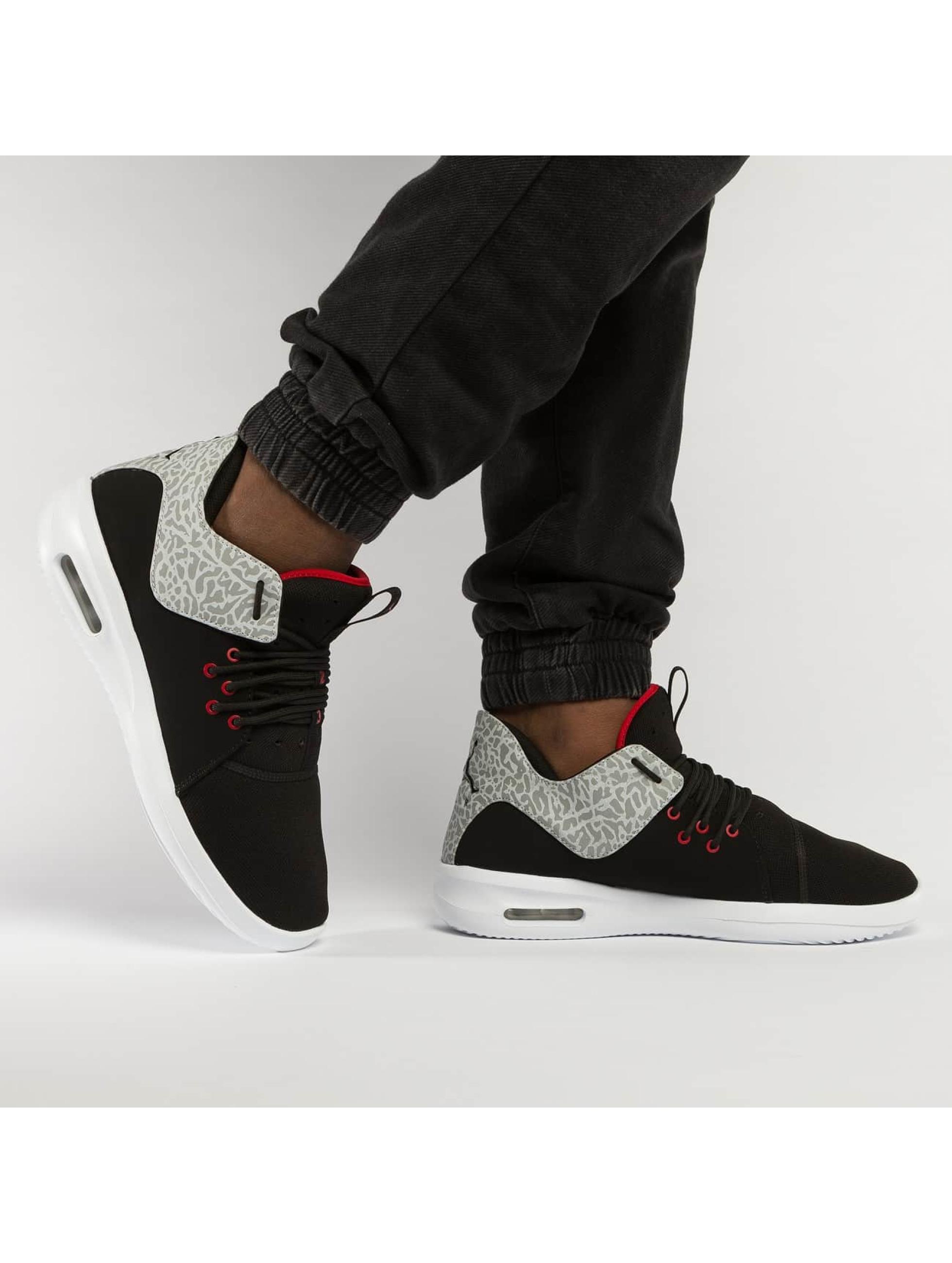 Jordan Sneakers First Class svart