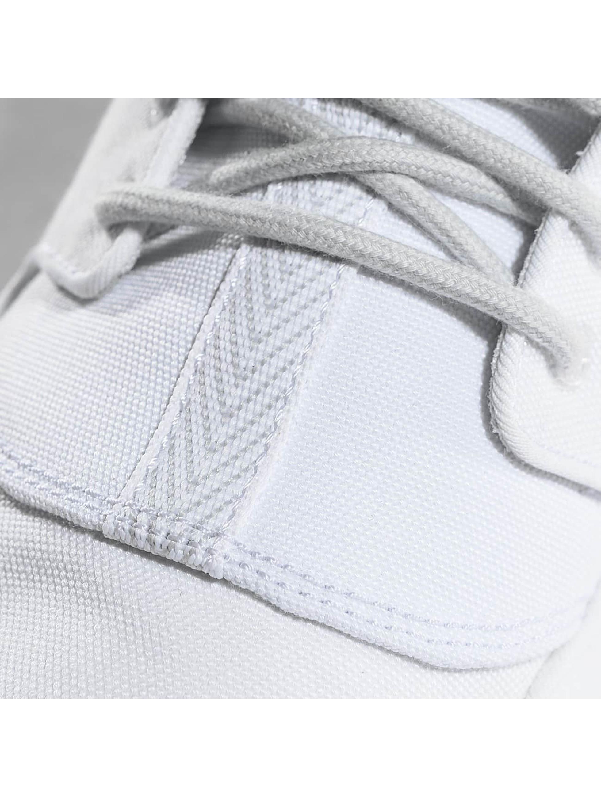 Jordan Sneakers Eclipse Chukka white