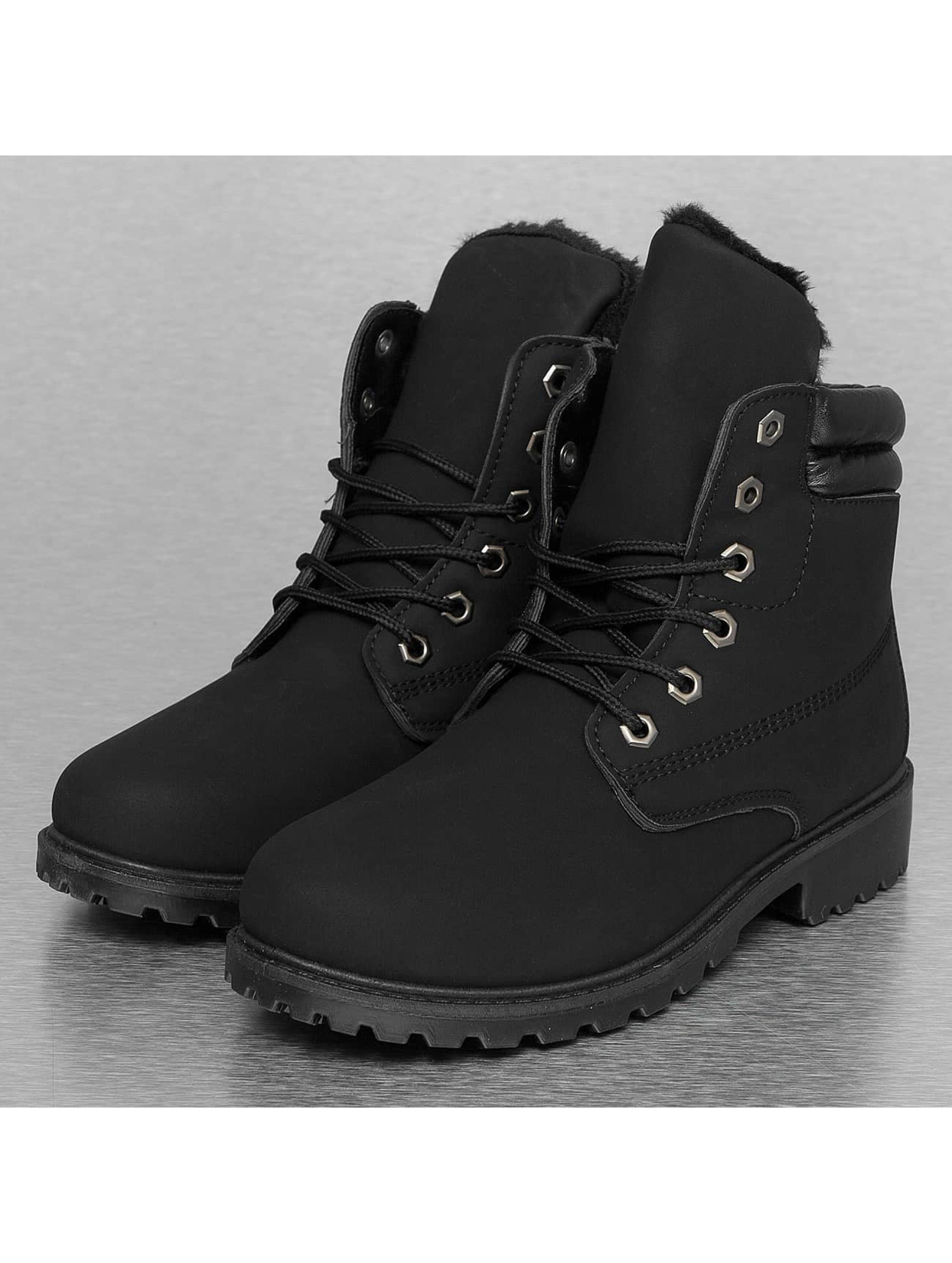 Boots Basic in schwarz