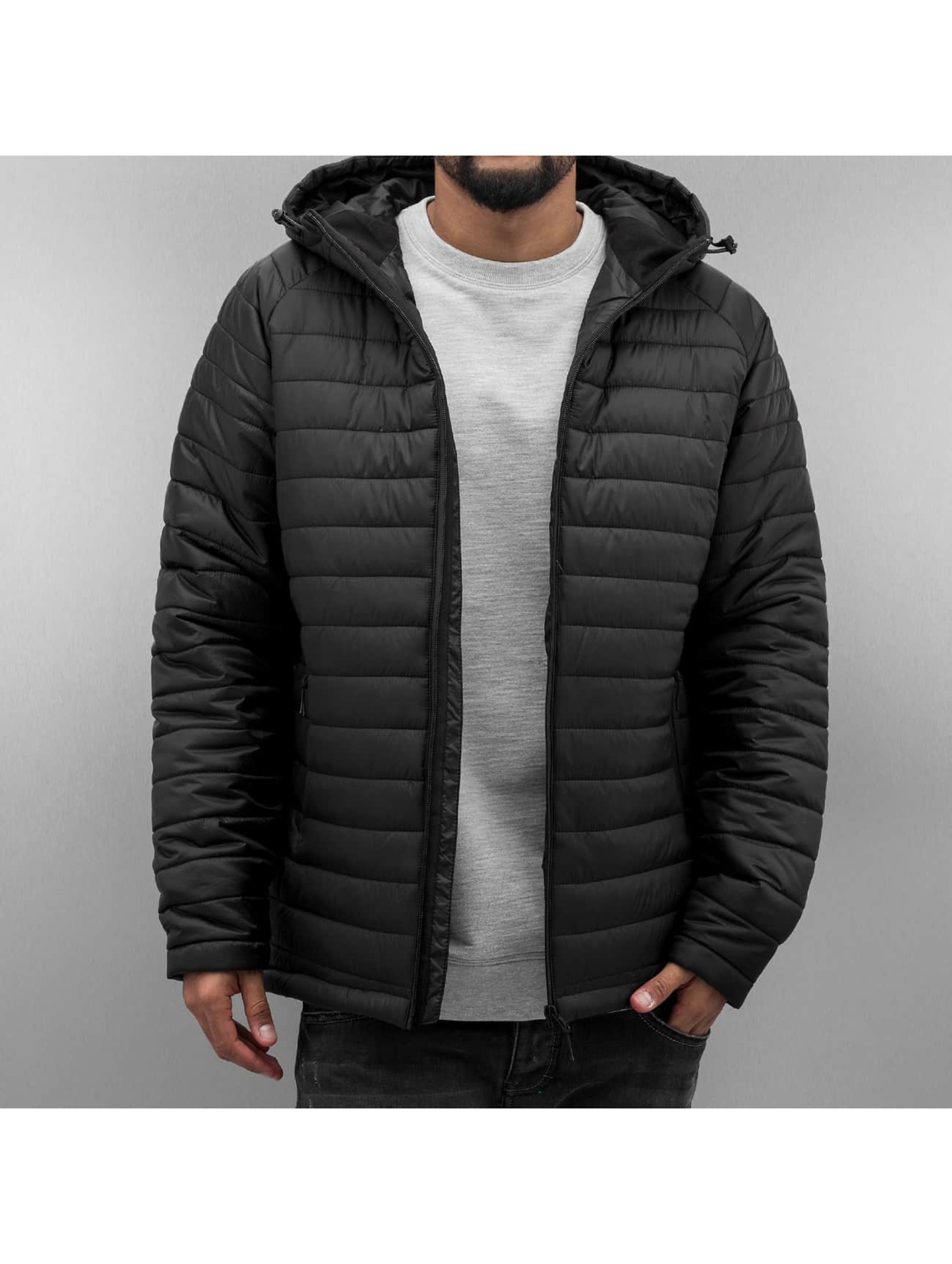 Winterjacke Core Spint in schwarz