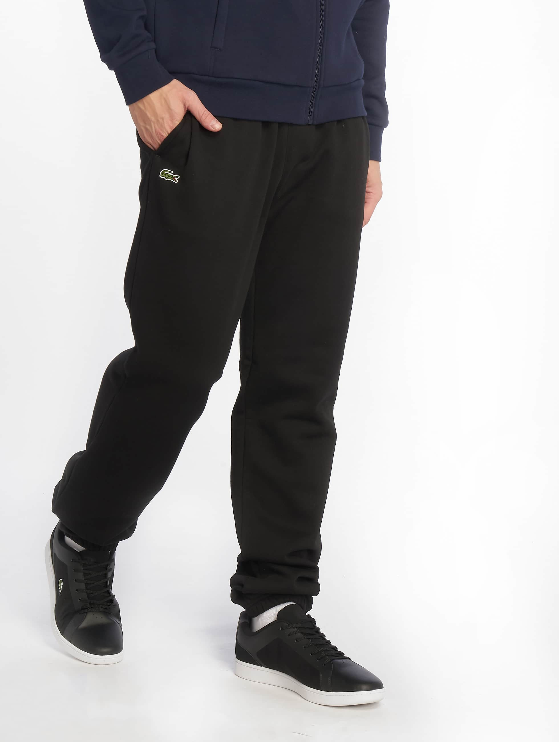 lacoste herren jogginghose classic in schwarz 210770. Black Bedroom Furniture Sets. Home Design Ideas