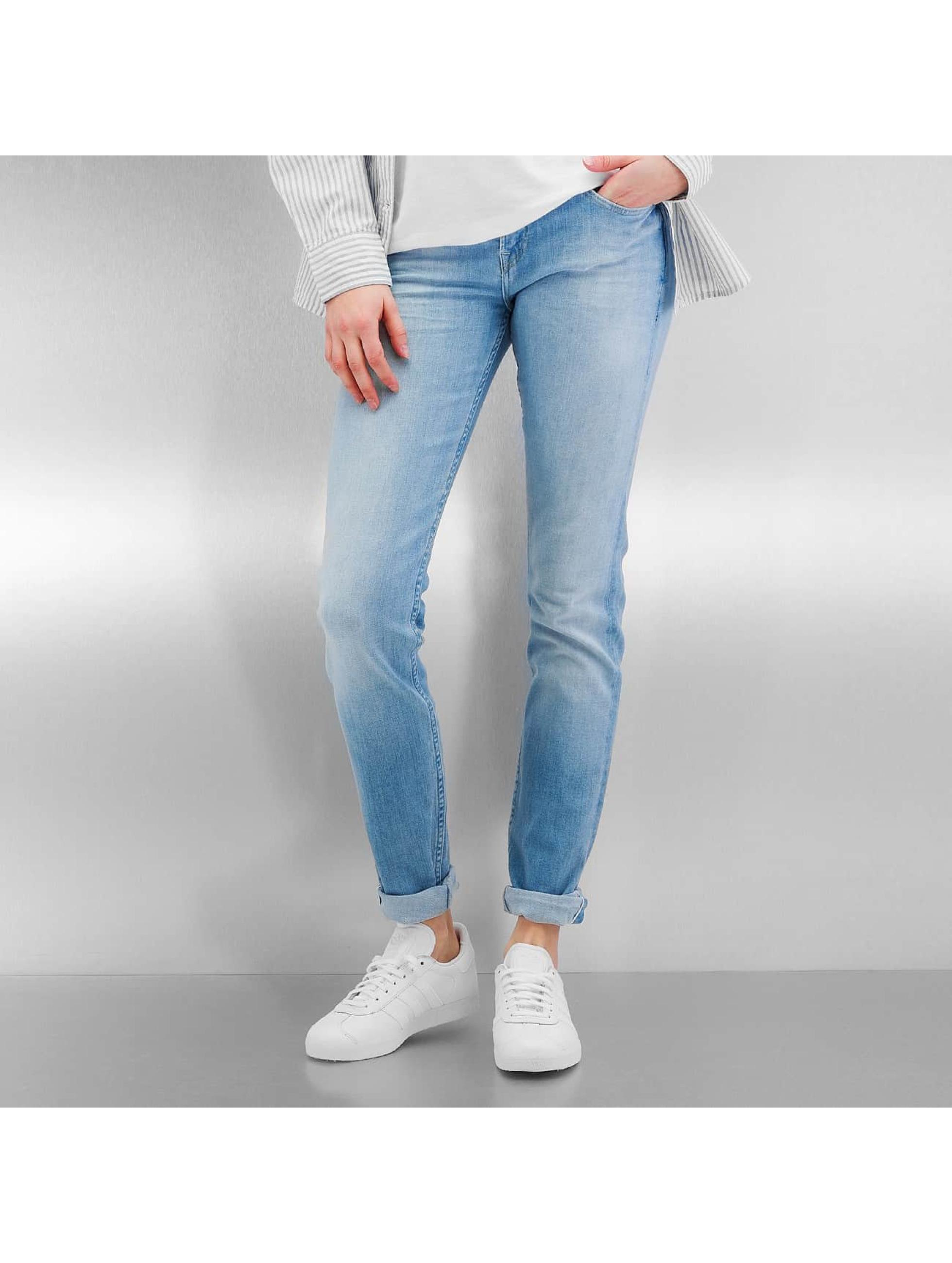jeans tendance 2017 les 5 jeans phares pour femme defshop france blog. Black Bedroom Furniture Sets. Home Design Ideas