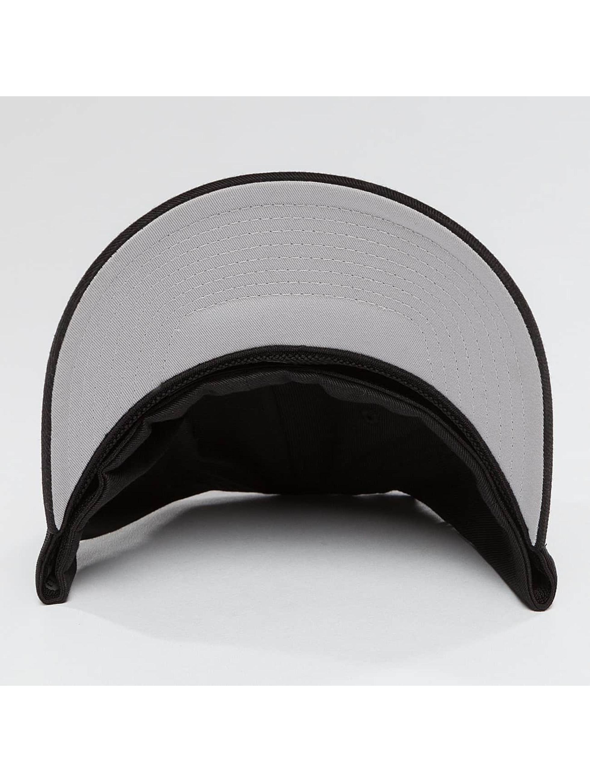 Mister Tee Flexfitted Cap NASA zwart
