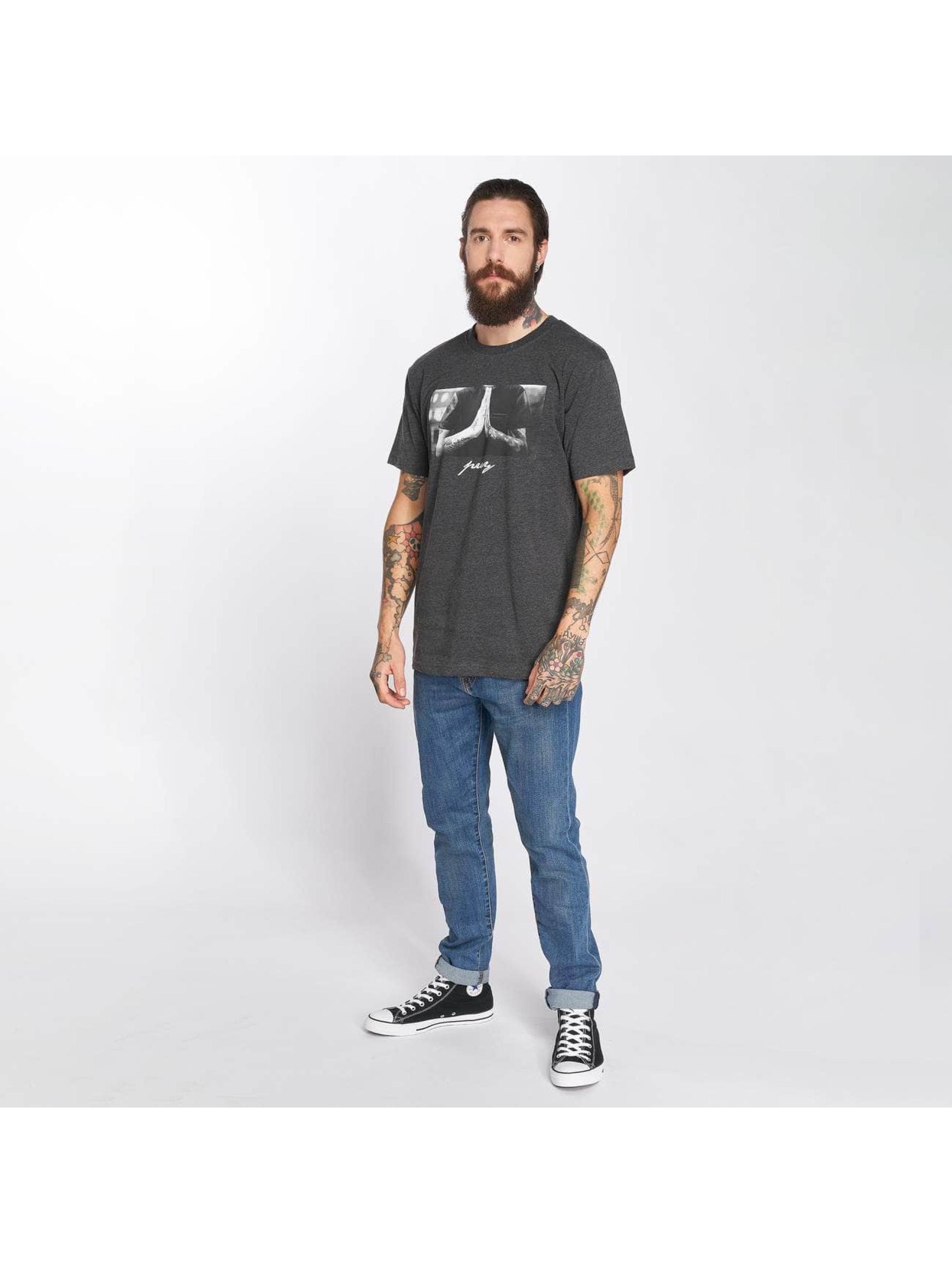 Mister Tee T-Shirt Pray grau