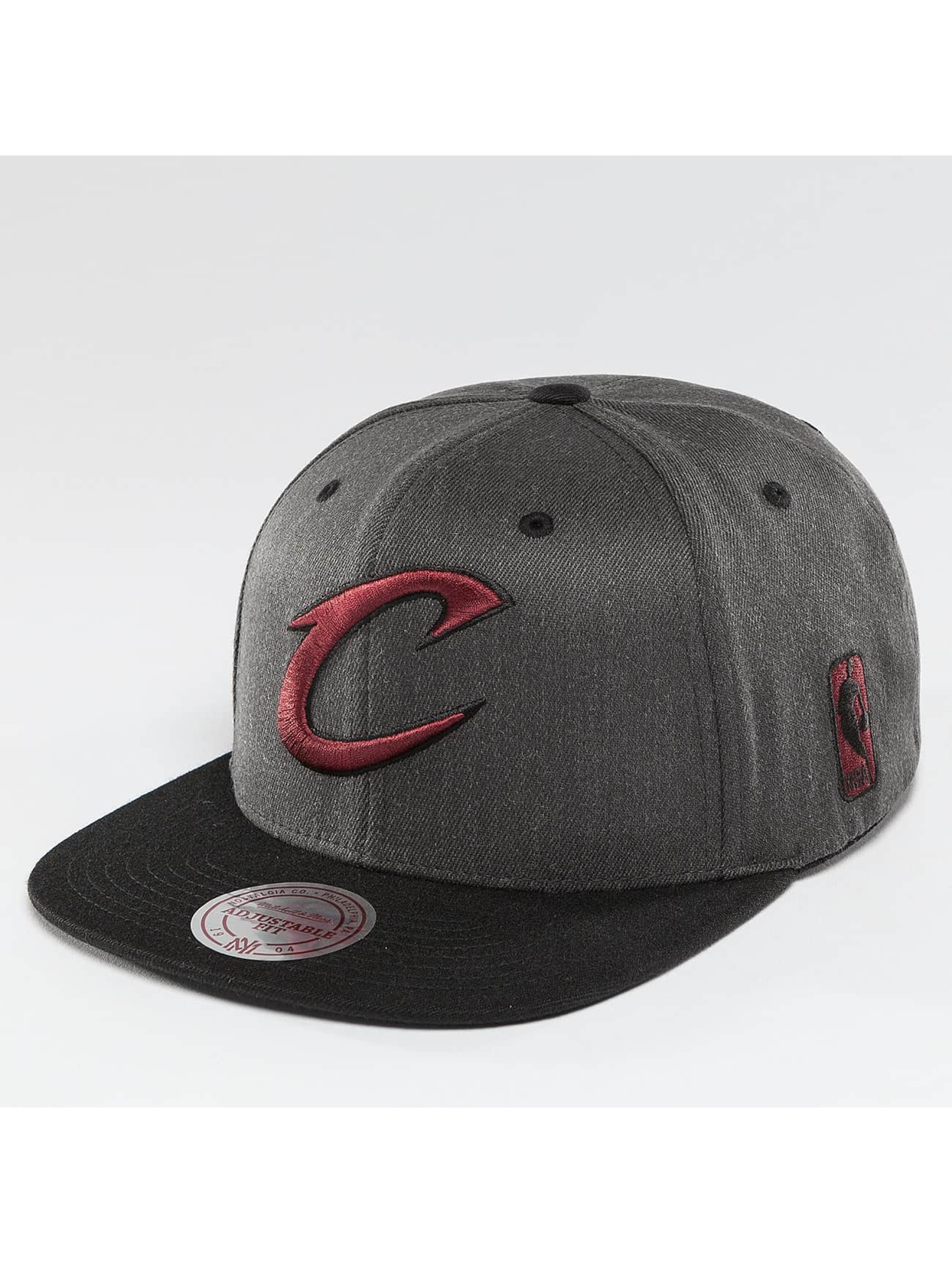 Mitchell & Ness Кепка с застёжкой NBA 2-Tone Cleveland Cavaliers серый